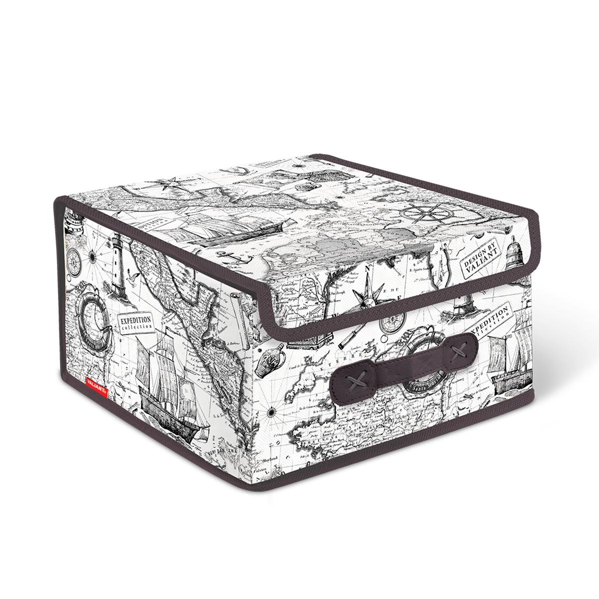 Короб стеллажный Valiant Expedition, с крышкой, 28 х 30 х 16 смEX-BOX-LSСтеллажный короб Valiant Expedition изготовлен из высококачественного нетканого материала, который обеспечивает естественную вентиляцию, позволяя воздуху проникать внутрь, но не пропускает пыль. Вставки из плотного картона хорошо держат форму. Короб снабжен специальной крышкой, которая фиксируется с помощью липучек. Изделие отличается мобильностью: легко раскладывается и складывается. В таком коробе удобно хранить одежду, белье и мелкие аксессуары. Оригинальный монохромный дизайн Expedition погружает в романтическую атмосферу морских экспедиций, дальних странствий и географических открытий. Система хранения в едином дизайне станет стильным акцентом в современном гардеробе.