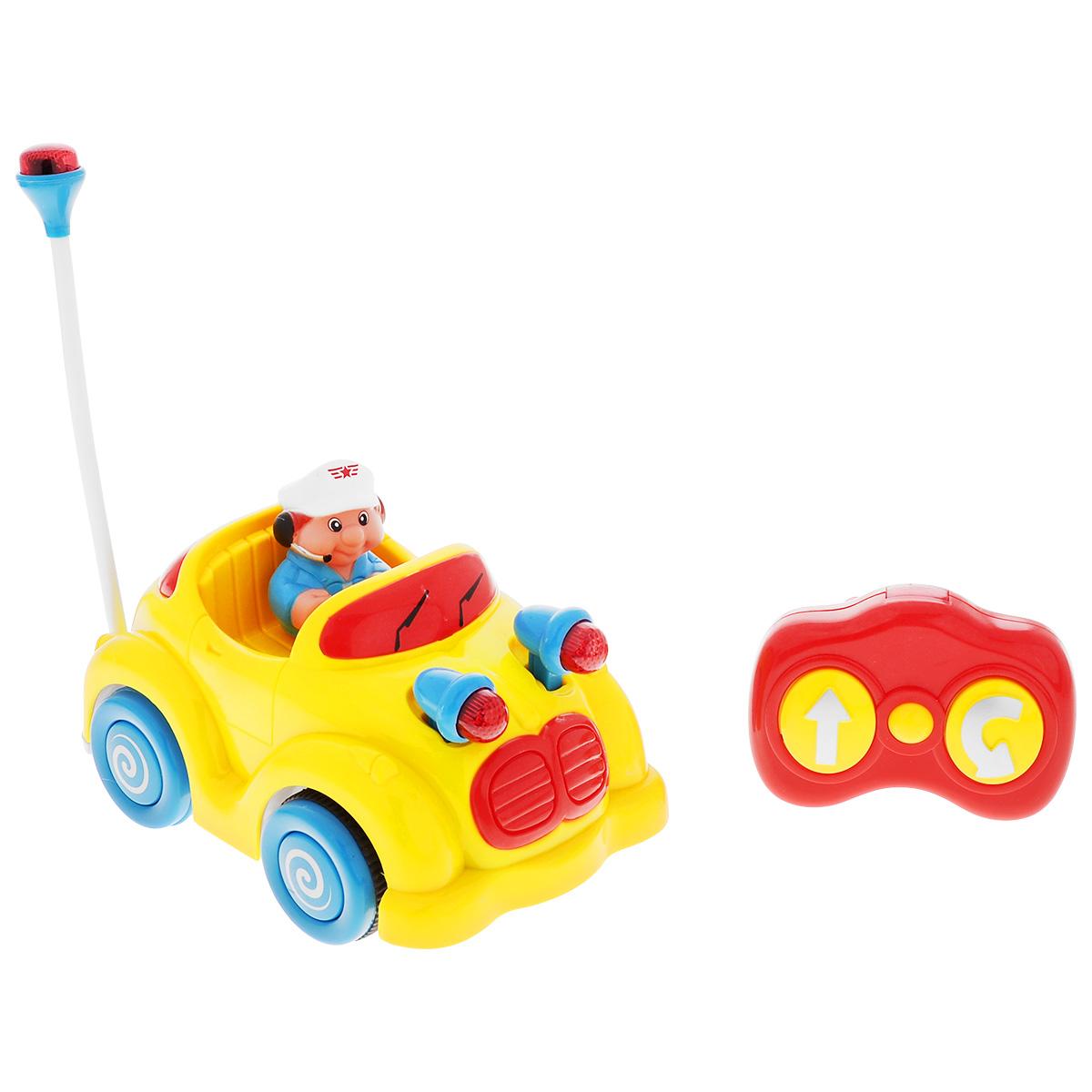 Малышарики Развивающая игрушка на радиоуправлении Увлекательное путешествиеMSH0303-027Развивающая игрушка Малышарики Увлекательное путешествие: автомобиль выполнена в ярком дизайне из высококачественных и безопасных для детской игры материалов. Яркий и красочный автомобиль с водителем на радио-управлении непременно порадует малыша и принесет ему массу положительных эмоций. Машинка движется вперед и вращается по кругу со звуковым сопровождением и подсветкой фар. Игрушка Увлекательное путешествие: автомобиль развивает мелкую моторику и слуховое восприятие малыша, а также его логическое мышление. Играя с радио- управляемой машинкой, ребенок учится концентрировать внимание. Рекомендуемый возраст: 1-3 года. Для работы игрушки необходимы 3 батарейки напряжением 1,5V типа АА, для работы пульта управления - 2 батарейки напряжением 1,5V типа АА (не входят в комплект). Уважаемые клиенты! Обращаем ваше внимание, цвет мелких деталей может меняться, в зависимости от поставки. Уважаемые клиенты! ...