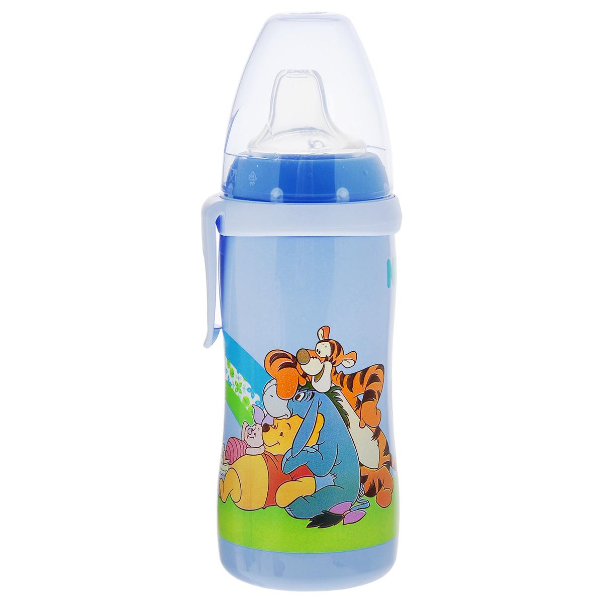 Бутылочка-поильник NUK Active Cup. Disney, с силиконовым носиком, от 12 месяцев, цвет: голубой, 300 мл10750413_голубойБутылочка-поильник NUK Active Cup. Disney, изготовленная из безопасного и прочного полипропилена, разработана для детей от года для легкого перехода от грудного кормления к бутылочке и от бутылочки к самостоятельному питью. Мягкий носик-насадка со специальным отверстием для питья изготовлен из силикона и исключает протекание. Закупоривающий диск бутылочки легко вставляется в завинчивающееся кольцо, что позволяет бутылочке оставаться герметичной. Благодаря широкому горлышку, бутылочку-поильник легко наполнить или очистить.