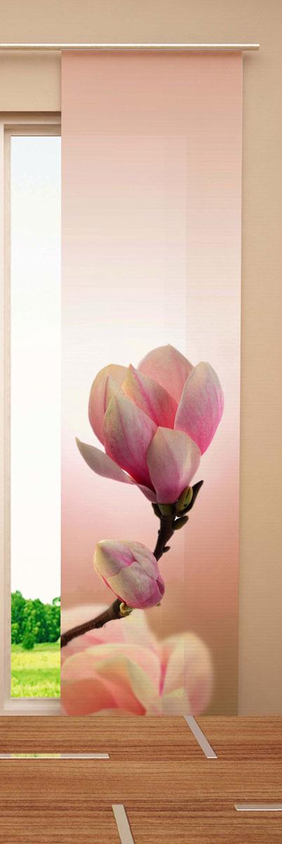 Японская панель Garden Бутон, 60 х 270 смW678 (1985) 60х270 V134Японская панель Garden Бутон выполнена из 100% полиэстера с ярким цветочным рисунком. Такая панель сможет заменить обычные шторы и оригинально украсить любой интерьер - от классики до авангарда. Японская панель будет смотреться как в просторных помещениях с большими окнами, так и в маленьких комнатах такие шторы могут создать уют и комфорт. Современные японские панели позволяют оформлять не только оконные и дверные проемы, но и могут выступать в качестве декоративных перегородок: для отделения рабочей зоны, спального места, кухни и т.д. Преимущество данных штор в том, что они, как и жалюзи, занимают мало места. Конструкция позволяет их легко монтировать и снимать. Внизу панель утяжелена специальной планкой. А вверху панель крепиться на липучке к специальной жесткой планке для крепления и перемещения по карнизу. Для подвешивания японских штор необходим специальный карниз. Он представляет собой алюминиевый профиль с несколькими рядами для панелей (до 10 рядов)....