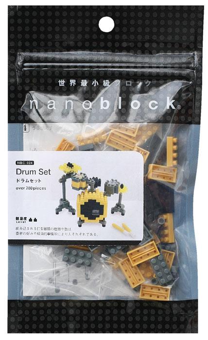 Nanoblock Мини-конструктор БарабаныNBC_024Ударная установка - один из ключевых объектов коллекции Музыкальные Инструменты. Гарантированно понравится любителям музыки. Из одного набора вы соберете: Тарелки Крэш - 1 шт, Тарелки Хэт - 1 шт, Высокий том-том альт - 1 шт, Низкий том-том - 1 шт, Басс-барабан бочка - 1 шт, Табурет - 1 шт. Чтобы получить барабанную установку в полной комплектации, нужно докупить еще один набор и, следуя дополнительной инструкции на сайте nanoblock, добавить: Напольный том-том + 1 шт, Высокий том-том + 1 шт, Тарелки Крэш + 1 шт, Тарелки Хэт + 1 шт. В комплекте: 170 элементов + запасные, пошаговая схема сборки. Конструктор Nanoblock - самый маленький в мире конструктор, крайне необычный, как все японское. Высокоточные трехмерные модели из деталей подобных Лего, но предельно...