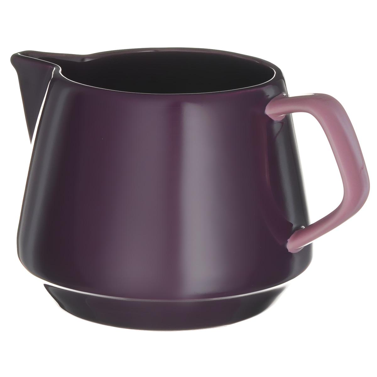 Кувшин для молока Sagaform POP, цвет: фиолетовый, светло-фиолетовый, 600 мл5016582Кувшин Sagaform POP изготовлен из высококачественной керамики. В нем будет удобно хранить молоко или другие напитки. Оригинальный дизайн кувшина позволит украсить любую кухню, внеся разнообразие, как в строгий классический стиль, так и в современный кухонный интерьер. Можно мыть в посудомоечной машине. Высота кувшина: 10 см. Диаметр по верхнему краю: 8 см. Объем: 600 мл.