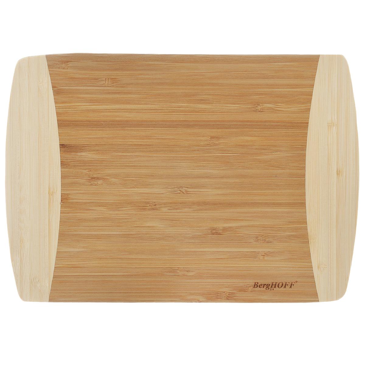Доска разделочная BergHOFF, 28 х 20 см1101774Прямоугольная разделочная доска BergHOFF изготовлена из бамбука. Бамбук обладает природными антибактериальными свойствами. Доска отличается долговечностью, большой прочностью и высокой плотностью, легко моется, не впитывает запахи и обладает водоотталкивающими свойствами, при длительном использовании не деформируется. Разделочная доска BergHOFF отлично подойдет для приготовления и сервировки пищи. Нельзя мыть в посудомоечной машине.
