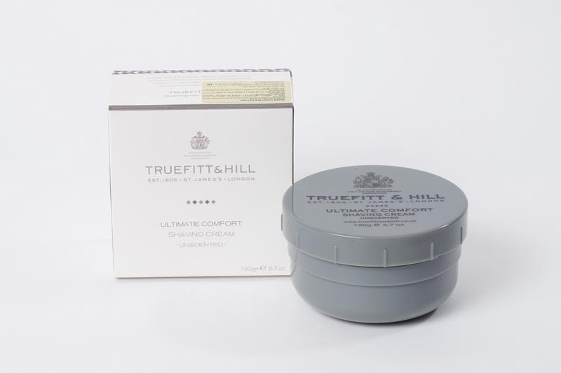 Truefitt&Hill Крем для бритья ( в банке) Ultimate Comfort Shaving Cream 190 г.10003TRUEFITT&HILL Ultimate Comfort Shaving Cream 190 г. Крем для бритья. Имеющий лёгкий аромат лаванды, крем для бритья с глицерином не содержит спирта и жиров и идеально подходит для чувствительной кожи. В формулу крема входит эфирное масло лванды и мягкий антисептик, который обладает целебными свойстваит и способствуеь восстановлению кожи.