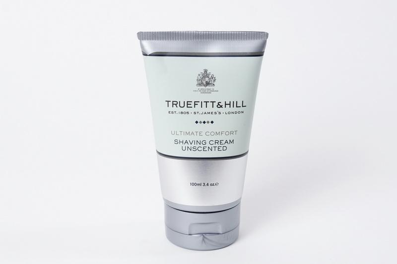 Truefitt&Hill Крем для бритья ( в тюбике) Ultimate Comfort Shaving Cream 100 г.10004TRUEFITT&HILL Ultimate Comfort Shaving Cream 100 г. Крем для бритья. Имеющий лёгкий аромат лаванды, крем для бритья с глицерином не содержит спирта и жиров и идеально подходит для чувствительной кожи. В формулу крема входит эфирное масло лванды и мягкий антисептик, который обладает целебными свойстваит и способствуеь восстановлению кожи.