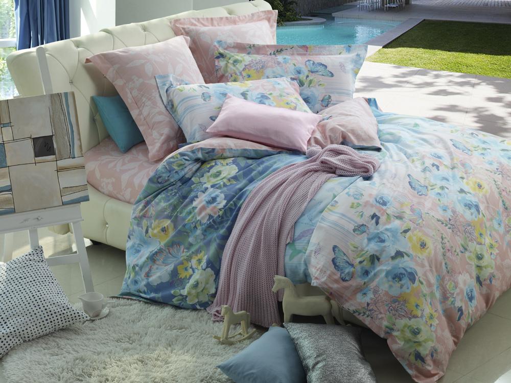 Комплект белья La Noche Del Amor, 2-спальный, наволочки 70х70, цвет: светло-розовый, белый, голубой. А-588-143-150-70А-588-175-180-70Великолепный комплект постельного белья La Noche Del Amor выполнен из сатина, натурального 100% хлопка. Постельное белье из сатина очень прочное и долговечное. Такой комплект выдержит многократное количество стирок, а яркие цвета не начнут тускнеть очень продолжительное время. Сатин практически не мнется, не электризуется, великолепно впитывает влагу и отлично вентилируется. Комплект состоит из пододеяльника, простыни и двух наволочек. Изделия оформлены цветочным принтом. Благодаря такому комплекту постельного белья вы создадите неповторимую атмосферу в вашей спальне.