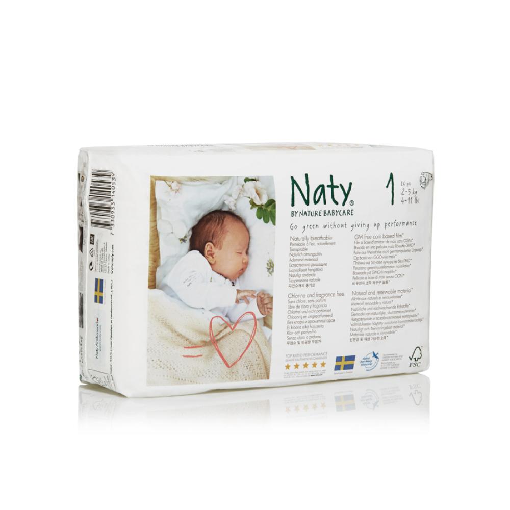 Фито-подгузники Naty (Найти), размер 1 (от 2 до 5 кг.), 26 шт.7330933140539О бренде: Компания Naty основана в Швеции матерью двух мальчиков Марлен Сандберг. В результате для малышей и их мам была создана новая, экологически чистая продукция из натурального воспроизводимого сырья, отвечающая высоким запросам потребителей по качеству, эффективности и дизайну. Компания представляет широкий ассортимент товаров личной гигиены из натуральных материалов для детей и женщин, а также детский текстиль. Вся продукция шведской компании Naty изготовлена из натуральных органических материалов, не содержит никаких вредных химических компонентов. Материалы, которые используются для производства, проходят все необходимые тесты на аллергические реакции. Продукция Naty - это выбор ответственных родителей, заботящихся о здоровье своих детей и окружающей природе. Описание: Вместо нефтепродуктов для производства подгузников и трусиков Naty использует материал на основе кукурузного крахмала. Подгузник Naty состоит из наполнителя на основе целлюлозы, отбеленной...
