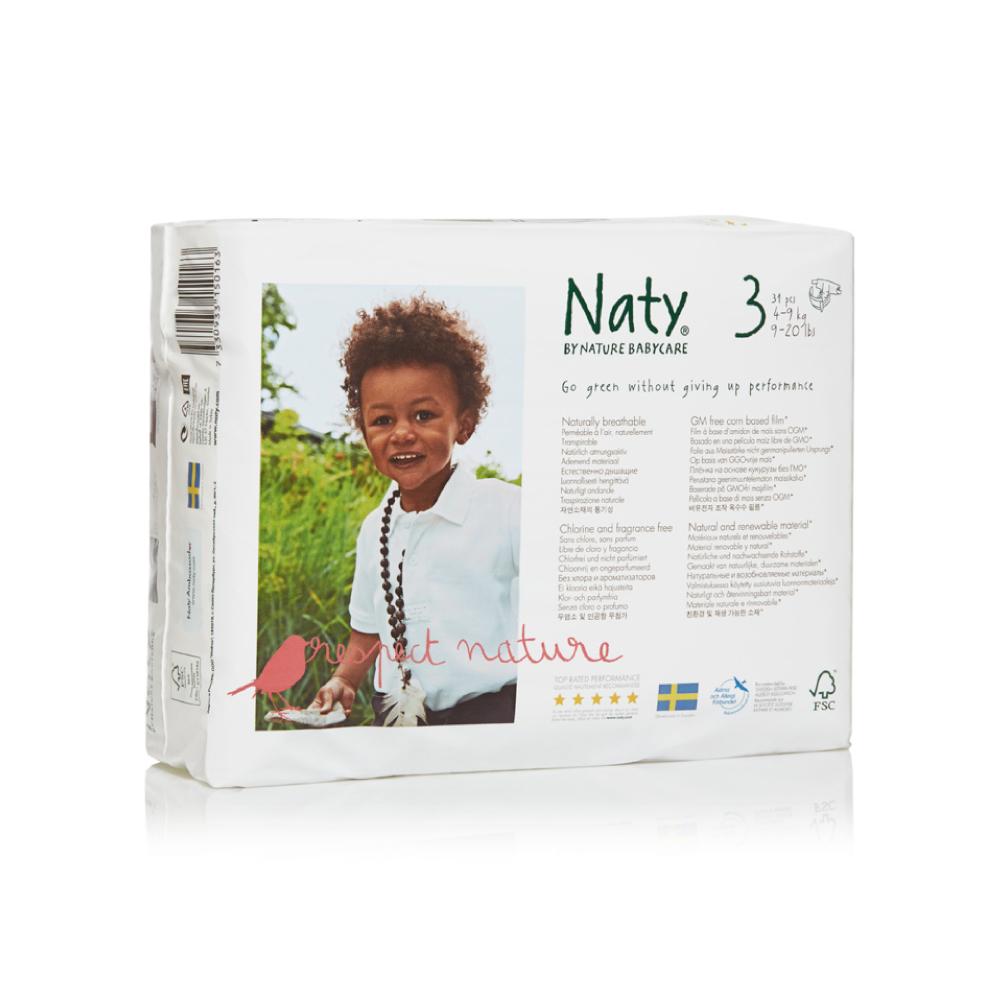 Фито-подгузники Naty (Найти), размер 3 (от 4 до 9 кг.), 31 шт.7330933150163О бренде: Компания Naty основана в Швеции матерью двух мальчиков Марлен Сандберг. В результате для малышей и их мам была создана новая, экологически чистая продукция из натурального воспроизводимого сырья, отвечающая высоким запросам потребителей по качеству, эффективности и дизайну. Компания представляет широкий ассортимент товаров личной гигиены из натуральных материалов для детей и женщин, а также детский текстиль. Вся продукция шведской компании Naty изготовлена из натуральных органических материалов, не содержит никаких вредных химических компонентов. Материалы, которые используются для производства, проходят все необходимые тесты на аллергические реакции. Продукция Naty - это выбор ответственных родителей, заботящихся о здоровье своих детей и окружающей природе. Описание: Вместо нефтепродуктов для производства подгузников и трусиков Naty использует материал на основе кукурузного крахмала. Подгузник Naty состоит из наполнителя на основе целлюлозы, отбеленной...