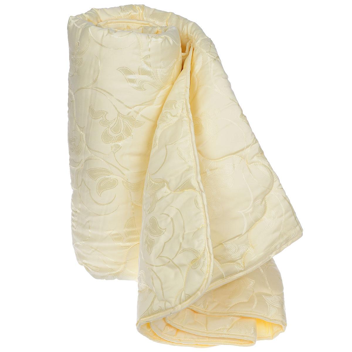 Одеяло Sova & Javoronok, наполнитель: шелковое волокно, цвет: бежевый, 172 х 205 см5030116083Чехол одеяла Sova & Javoronok выполнен из благородного сатина. Наполнитель - натуральное шелковое волокно. Особенности наполнителя: - обладает высокими сорбционными свойствами, создавая эффект сухого тепла; - регулирует температурный режим; - не вызывает аллергических реакций. Шелк всегда считался одним из самых элитных и роскошных материалов. Очень нежный, легкий, шелк отлично приспосабливается к температуре тела и окружающей среды. Летом с подушкой из шелка вы чувствуете прохладу, зимой - приятное тепло. В натуральном шелке не заводится и не живет пылевой клещ, также шелк обладает бактериостатическими свойствами (в нем не размножаются патогенные бактерии), в нем не живут и не размножаются грибки и сапрофиты. Натуральный шелк гипоаллергенен и рекомендован людям с аллергическими реакциями. При впитывании шелком влаги до 30% от собственного веса он остается сухим на ощупь. Натуральный шелк не электризуется. Одеяло Sova &...