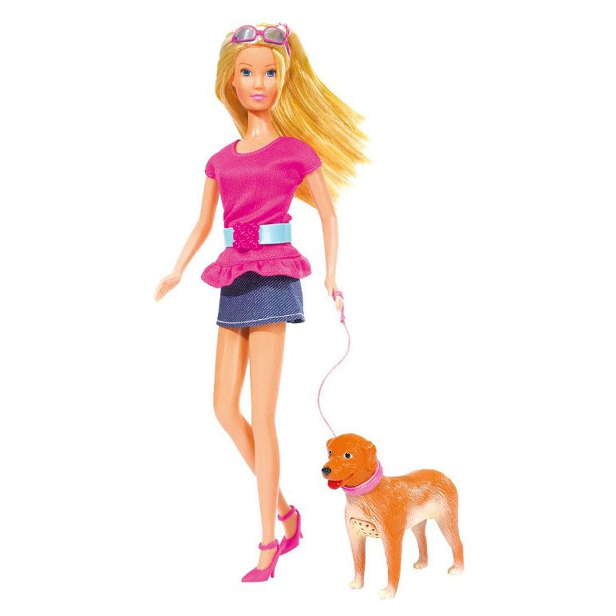 Simba Кукла Штеффи с собачкой5739051Кукла Simba Штеффи с собачкой надолго займет внимание вашей малышки и подарит ей множество счастливых мгновений. Кукла изготовлена из пластика, ее голова, ручки и ножки подвижны, что позволяет придавать ей разнообразные позы. В комплекте с куклой идет собачка на поводке. При нажатии на голову собачки, она издает звуки. Кукла одета в юбочку и блузку с ремешком. Наряд дополняют очки и розовые туфельки. Чудесные длинные волосы куклы так весело расчесывать и создавать из них всевозможные прически, плести косички и хвостики. Благодаря играм с куклой, ваша малышка сможет развить фантазию и любознательность, овладеть навыками общения и научиться ответственности, а дополнительные аксессуары сделают игру еще увлекательнее. Порадуйте свою принцессу таким прекрасным подарком!