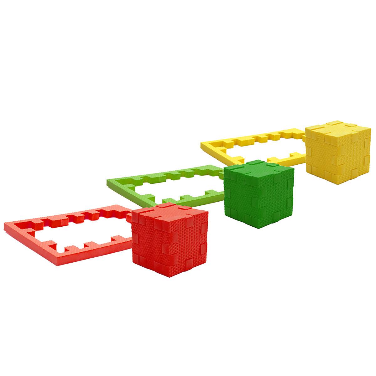 PicnMix Пазл-конструктор Кубикформ Галактика111008Пазл-конструктор Pic&Mix Кубикформ Галактика имеет уровень сложности Профессор. Игра может проводиться в 2 этапа: на первом этапе ребенок осваивает навыки составления простых элементов головоломки и запоминает 3 цвета, входящие в набор, также он узнаёт названия трёх небесных тел: Звезда, Комета, Метеор; на втором этапе ребенок учится собирать сложные геометрические фигуры. Серия обучающих пазл-конструкторов стимулирует развитие мышления, логики, пространственного воображения, памяти, координации, мелкой моторики, а также помогает усвоить навыки тактильного восприятия. В комплект входят 21 элемент конструктора, инструкция.