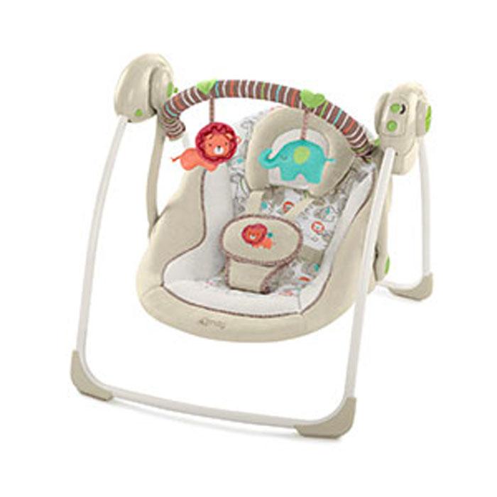 Bright Starts, Качели Комфорт и гармония Песочное сафари60194Комфортное укачивание и веселые игрушки! Особенности Технология TrueSpeed™ обеспечивает выбор 6-ти скоростей по мере роста ребенка 2-х позиционное сиденье с технологией Comfort Recline™ 6 мелодий, регулировка громкости и автоматическое отключение Съемная подушка-подголовник Съемная перекладина с 2-мя забавными мягкими игрушками может поворачиваться для быстрого доступа к ребенку Таймер с 3-мя режимами: 15, 30 и 45 минут Дополнительные характеристики 5-точечный ремень безопасности Легко с