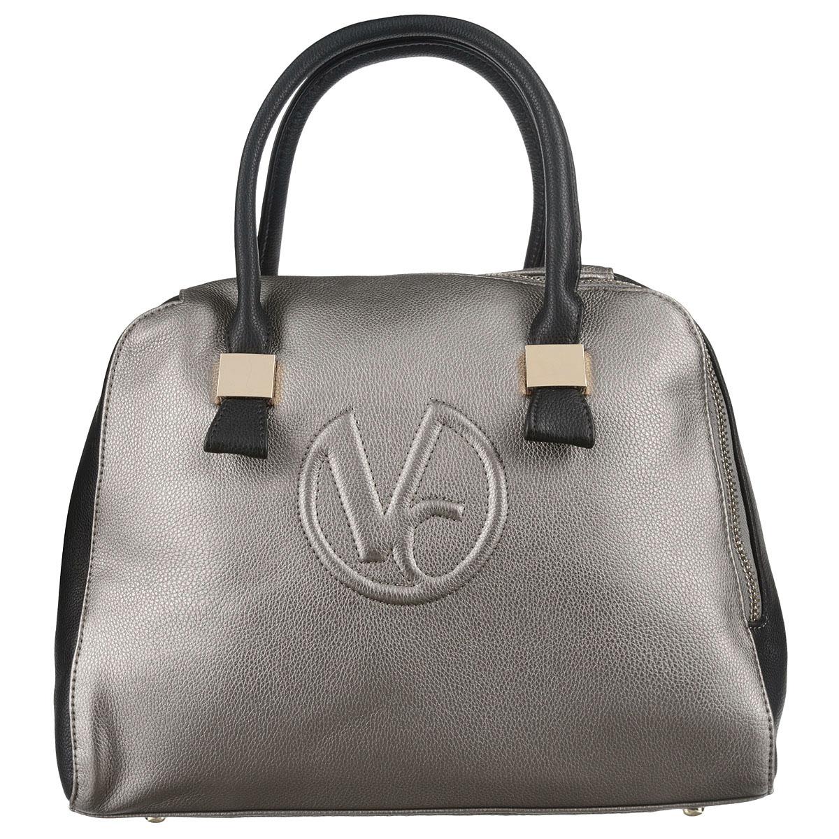Сумка женская Vitacci, цвет: серый. V090V090Стильная женская сумка Vitacci изготовлена из высококачественной искусственной кожи. Застежка-молния расположена по диагонали, что придает изделию неповторимую оригинальность. Удобные ручки прочно крепятся к корпусу сумки при помощи металлической фурнитуры. Внутреннее отделение содержит два кармана на застежках-молниях, которые образуют открытый карман, и два накладных кармашка для мелочей и мобильного телефона. Тыльная сторона сумки дополнена врезным карманом на застежке-молнии. Дно защищено от повреждений металлическими ножками. Фурнитура золотистого цвета. Сумка - это стильный аксессуар, который подчеркнет вашу изысканность и индивидуальность и сделает ваш образ завершенным. Изделие упаковано в фирменный чехол.