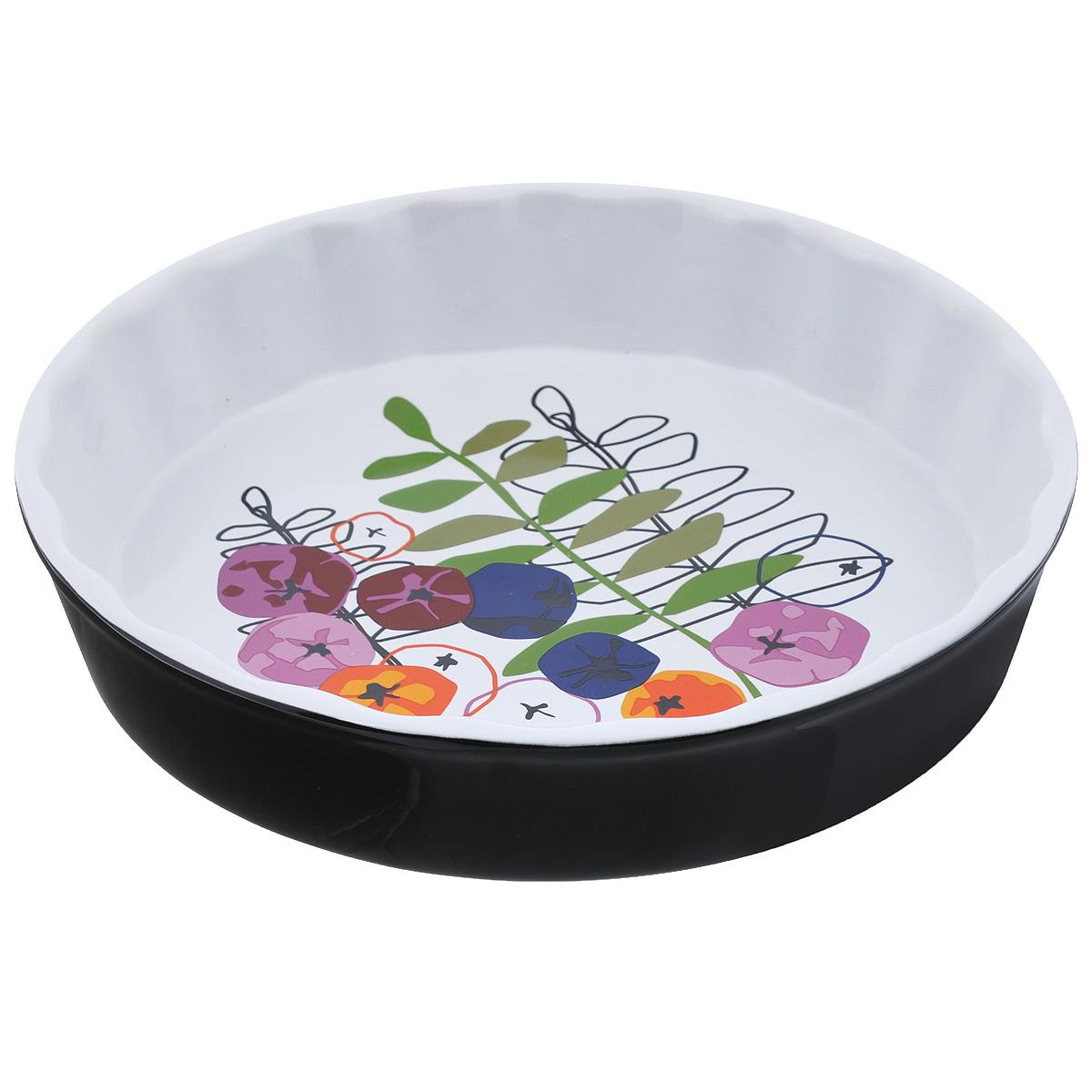 Тарелка для пирога Sagaform Season, диаметр 26 см5015821Тарелка для пирога Sagaform Season изготовлена из высококачественной жаропрочной керамики, покрытой глазурью. Дно изделия оформлено красочным дизайнерским рисунком. Основным достоинством керамической посуды является ее абсолютная экологичность. Другим достоинством керамики является ее способность отдавать влагу продуктам во время их приготовления, что объясняется ее пористой структурой. Блюда, приготовленные в керамической посуде, пропекаются равномерно, сохраняют витамины и полезные вещества, а также отличаются отменным вкусом и ароматом. Посуда пригодна для использования в духовом шкафу. Можно мыть в посудомоечной машине. Диаметр блюда: 26 см. Высота стенки: 5 см.