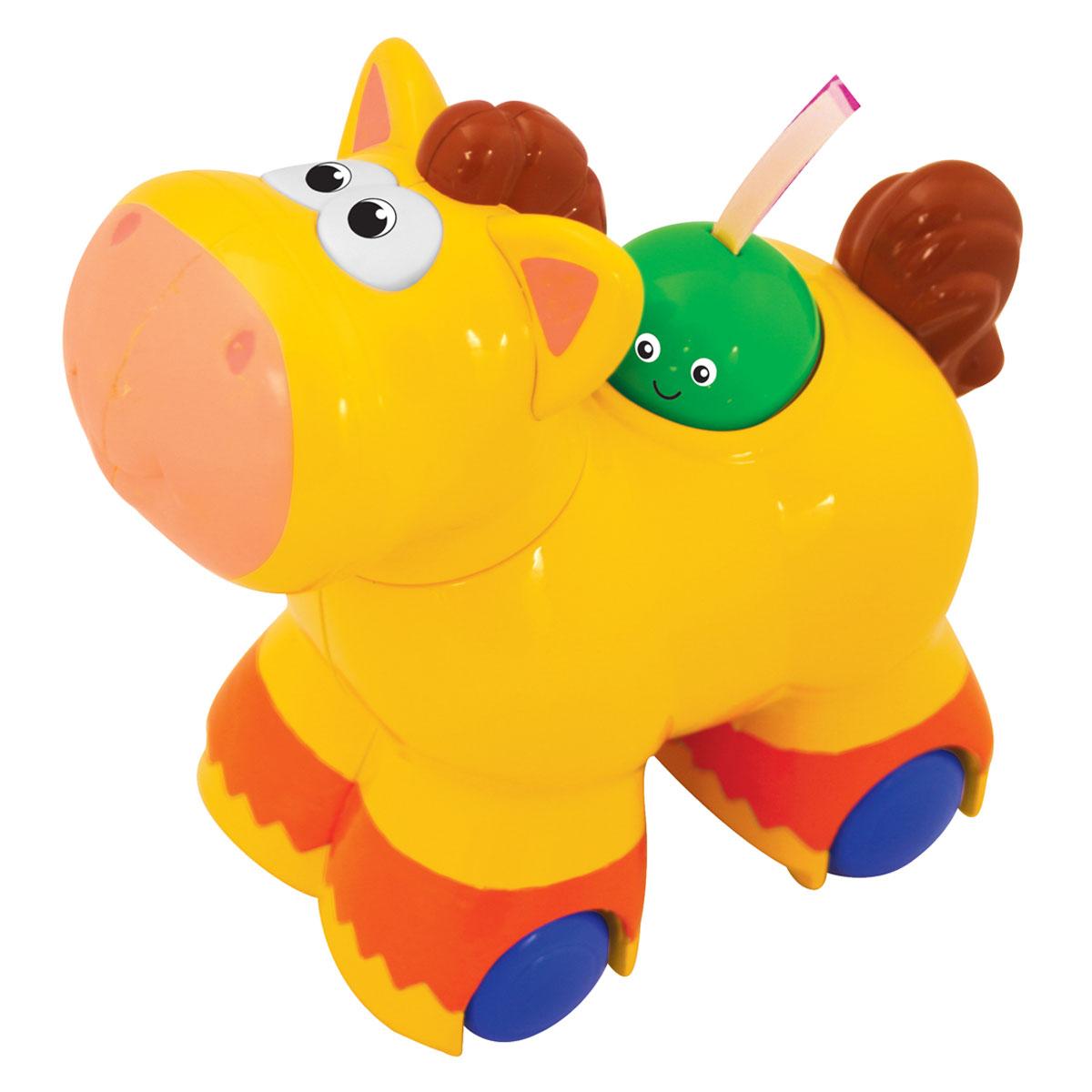 Kiddieland Игрушка-каталка ПониKID 045849Яркая игрушка-каталка Kiddieland Пони со звуковыми эффектами обязательно понравится малышу. Смешная и яркая игрушка-каталка развлечет малыша приятными мелодиями. При нажатии зеленого персонажа на спине лошадки игрушка едет сама, при этом звучат веселые мелодии, ржание, цокот копыт. Также нажатием этого персонажа переключается звук. Голова игрушки поворачивается, при этом раздается забавный треск. Игрушка способствует развитию, мелкой моторики, цветовосприятия, воображения и творческого мышления. Рекомендуемый возраст: от 12 месяцев. Питание: 2 батарейки типа АА (входят в комплект).