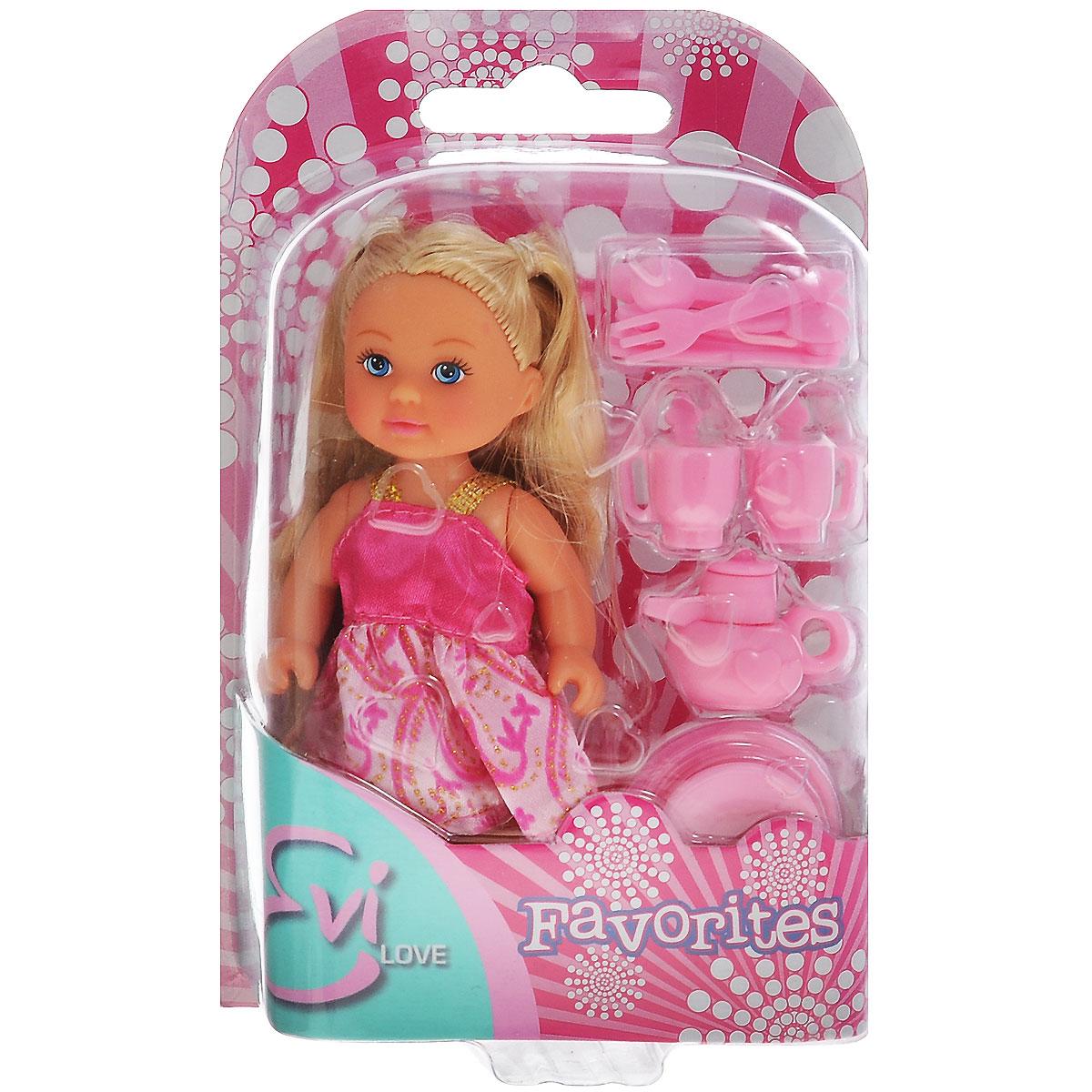 Simba Кукла Еви, с кухонными аксессуарами5734830_цвет платья розовыйКукла Simba Еви порадует любую девочку и надолго увлечет ее. В комплект входит кукла Еви и необходимые кухонные принадлежности. Малышка Еви одета в розовое платье. Вашей дочурке непременно понравится заплетать длинные белокурые волосы куклы, придумывая разнообразные прически. Аксессуары выполнены из прочного материала розового цвета. Руки, ноги и голова куклы подвижны, благодаря чему ей можно придавать разнообразные позы. Игры с куклой способствуют эмоциональному развитию, помогают формировать воображение и художественный вкус, а также разовьют в вашей малышке чувство ответственности и заботы. Великолепное качество исполнения делают эту куколку чудесным подарком к любому празднику.