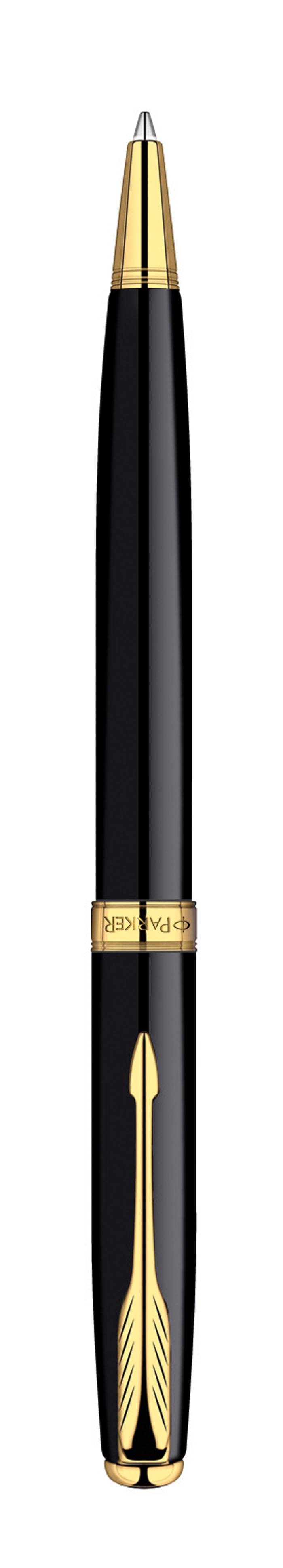 Шариковая ручка Parker Sonnet Black GT с поворотным механизмом - это гарант вашего неповторимого стиля и элегантности. Ручка заправлена стержнем с черными чернилами. Корпус ручки выполнен из ювелирной латуни с многослойным лаковым покрытием и позолотой. Оригинальная гравировка Parker. Толщина линии - средняя. Шариковая ручка упакована в фирменную коробку с логотипом компании Parker. В коробке предусмотрено дополнительное отделение, в котором расположен международный гарантийный талон.Эксклюзивная ручка Parker Sonnet Black GT подчеркнет стиль и элегантность ее владельца и станет превосходным подарком ценителю изящества и роскоши.Ручка - это не просто пишущий инструмент, это - часть имиджа, наглядно демонстрирующая статус, характер и образ жизни ее владельца.