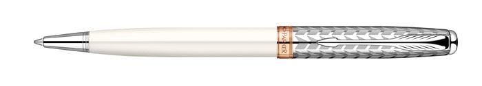 Ручка шариковая Sonnet Metal & Pearl CT. PARKER-S0947340PARKER-S0947340Ручка шариковая «Паркер Соннет Метал анд Перл Си Ти». Инструмент для письма, линия письма – средняя, цвет чернил – черный, в подарочной упаковке. Произведено во Франции.