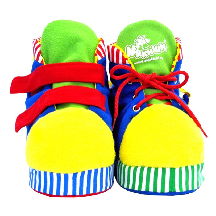 Мякиши Развивающая игрушка Ботиночки, цвет: синий, желтый, красный172_синий/желтый/красныйЯркие развивающие Ботиночки, непременно, привлекут внимание малыша и научат его во время игры справляться со многочисленными застежками. Игрушка выполнена из высококачественных разнофактурных тканей (хлопок, флис, махровый трикотаж) и мягкого наполнителя, что делает ее абсолютно безопасной в игре. На правом ботиночке малыш найдет две большие застежки-липучки, пластиковую пуговицу и застежку-молнию, на левом есть шнуровка, еще одна пластиковая пуговица и металлическая застежка-кнопка. Шнурочек на ботинке очень удобный - достаточно толстый, малышу будет удобно его держать и завязывать. На подошвах ботиночки имеют нескользящие пупырышки, яркие язычки снабжены шуршащими вставками, а в носиках спрятаны веселые пищалки. Игрушка Ботиночки способствует отличному развитию тактильных ощущений, мелкой моторики нежных пальчиков малыша, мышления, координации движений, яркие цвета стимулируют зрительное восприятие.