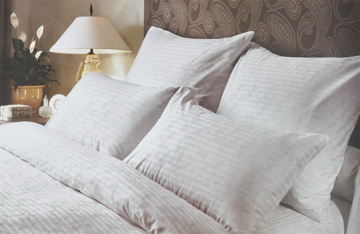 Комплект белья Verossa Кружевная сказка, 2-спальный, наволочки 50х70, цвет: белый173230Комплект белья Verossa Кружевная сказка, выполненный из ткани страйп сатин (100% хлопок), состоит из пододеяльника, простыни и двух наволочек. Изделия оформлены ярким принтом. Сатин традиционно считается одной из лучших тканей для изготовления постельного белья. Сатин - прочная, легкая и приятная на ощупь ткань. Белье из него не линяет при стирке и легко гладится. Рекомендации по уходу: - Ручная и машинная стирка 60°С, - Не применять отбеливатель, - Можно сушить в стиральной машине с центрифугой, - Гладить при средней температуре до 200°С, - Сухая чистка запрещена.