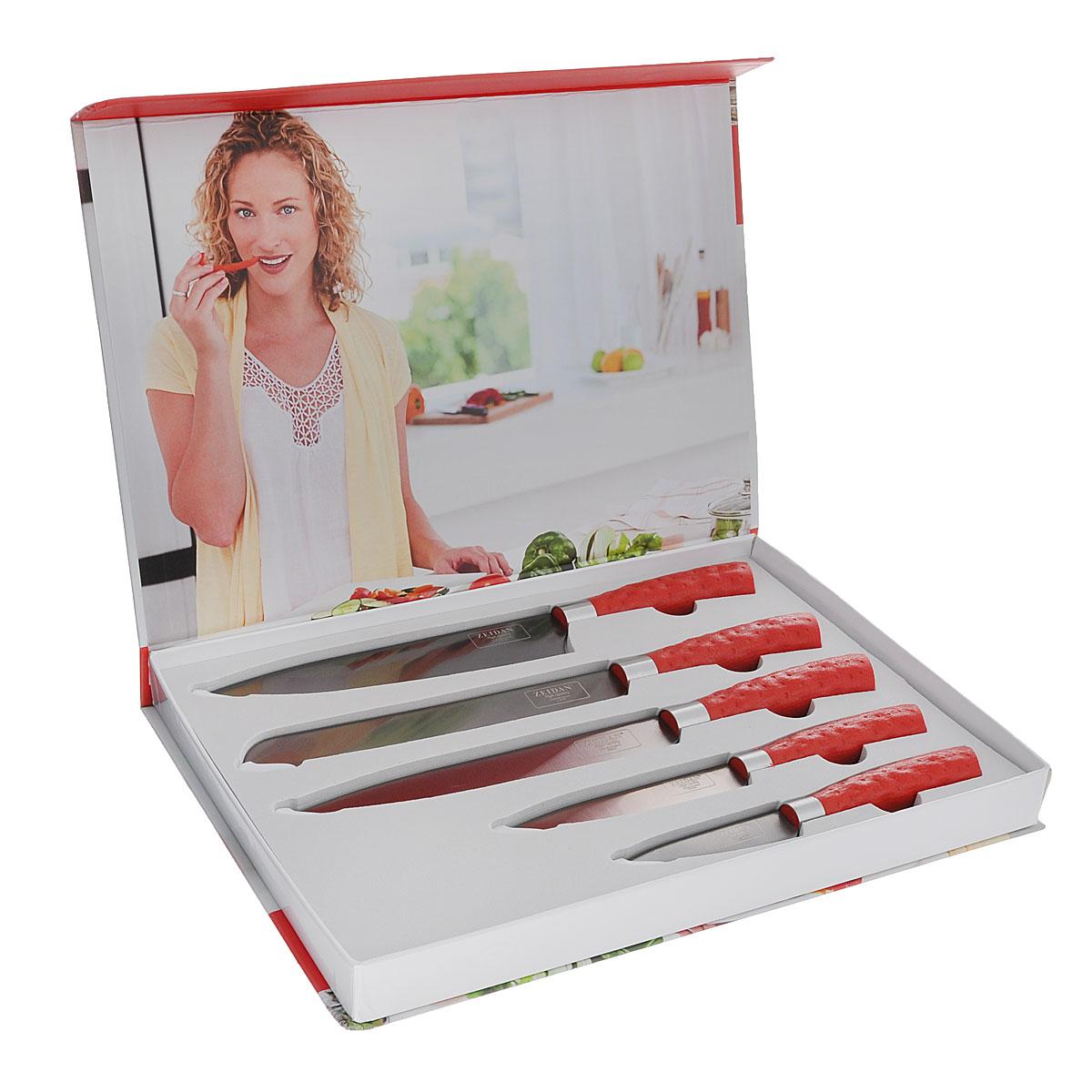 Набор ножей Zeidan, 5 шт. Z-3068Z-3068Набор Zeidan состоит из пяти ножей: поварского, универсального, для хлеба, для овощей и разделочного. Лезвия ножей изготовлены из высококачественной нержавеющей стали с титановым покрытием с обеих сторон. Благодаря такому покрытию ножи обладают высокой прочностью, а режущая кромка сохраняет свою остроту на долгое время. Титан - абсолютно инертный материал и титановое покрытие препятствует образованию железосодержащих ионов. Ножи не вступают в реакцию с кислотами и щелочами, на них не образуется ржавчина, они не впитывают запаха и не оставляют металлического послевкусия. Эргономичные рукоятки, выполненные из высококачественного пластика и оформленные под кожу, не позволяют скользить ножам в руках и обеспечивают безопасность при нарезке продуктов. Такой набор займет достойное место среди аксессуаров на вашей кухне. Общая длина поварского ножа: 32 см. Длина лезвия поварского ножа: 19 см. Общая длина универсального ножа: 23 см. Длина лезвия...