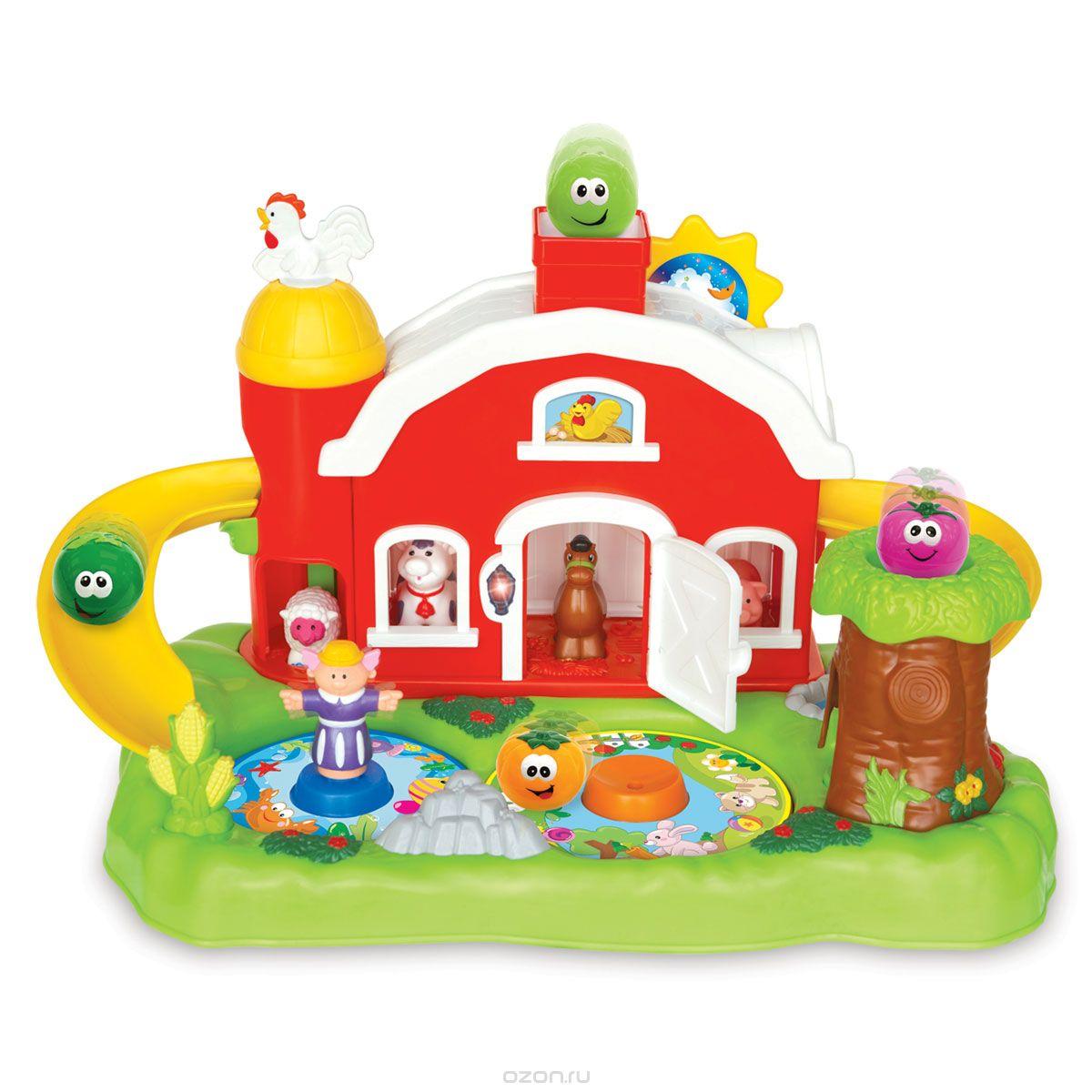 Kiddieland Развивающая игрушка Фермерский дворикKID 035022Развивающая игрушка Kiddieland Фермерский дворик со звуковыми и световыми эффектами обязательно понравится малышу. Дворик представляет собой зеленую лужайку, на которой разместились ферма, дерево, пруд и клумба. Дверь фермы открывается - внутри живут зверушки: корова, лошадка, овечка и свинка. Из трубы выглядывает петух, повернув которого, ребенок услышит забавные мелодии. Еще на крыше есть подвижное солнышко, во время движения которого играет музыка. С двух сторон от домика отходят желтые горки, очень похожие на бананы. Если бросить в трубу один из шариков, он выкатится на горку и спустится вниз с одной стороны, или выскочит из дерева - с другой. Животные умеют подавать голос, также играет музыка, светятся лампочки. Игрушка развивает мелкую моторику, мышление, зрительное и звуковое восприятие. Рекомендуемый возраст: от 18 месяцев. Питание: 3 батарейки типа АА (входят в комплект).