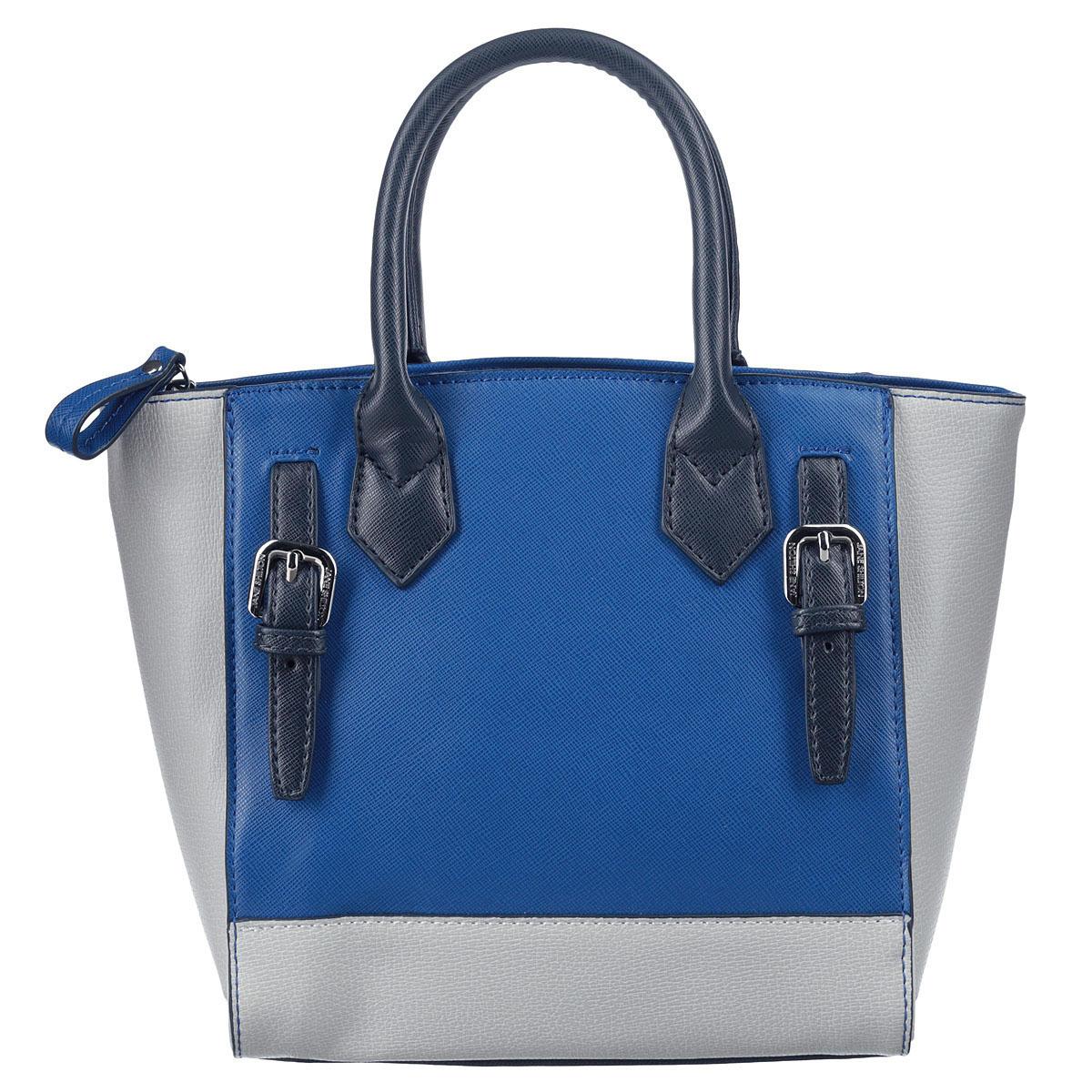 Сумка женская Jane Shilton, цвет: синий. 16741674Миниатюрная женская сумка Jane Shilton изготовлена из высококачественной искусственной кожи в лаконичном стиле. Изделие украшено декоративными ремешками. Сумка оснащена двумя удобными ручками, которые прочно крепятся к корпусу сумки. Основное отделение закрывается на застежку-молнию, содержит один накладной карман для мобильного телефона и врезной карман на застежке- молнии. Тыльная сторона дополнена врезным карманом на застежке-молнии. В комплект входит съемный плечевой ремень. Фурнитура золотистого цвета. Современная женщина - особа взыскательная. Для работы и выхода в свет ей необходим практичный аксессуар, который бы легко и изящно дополнял любой комплект. Для таких женщин и предназначены сумки семьи Shilton, они будут долго служить верой и правдой своей обладательнице.