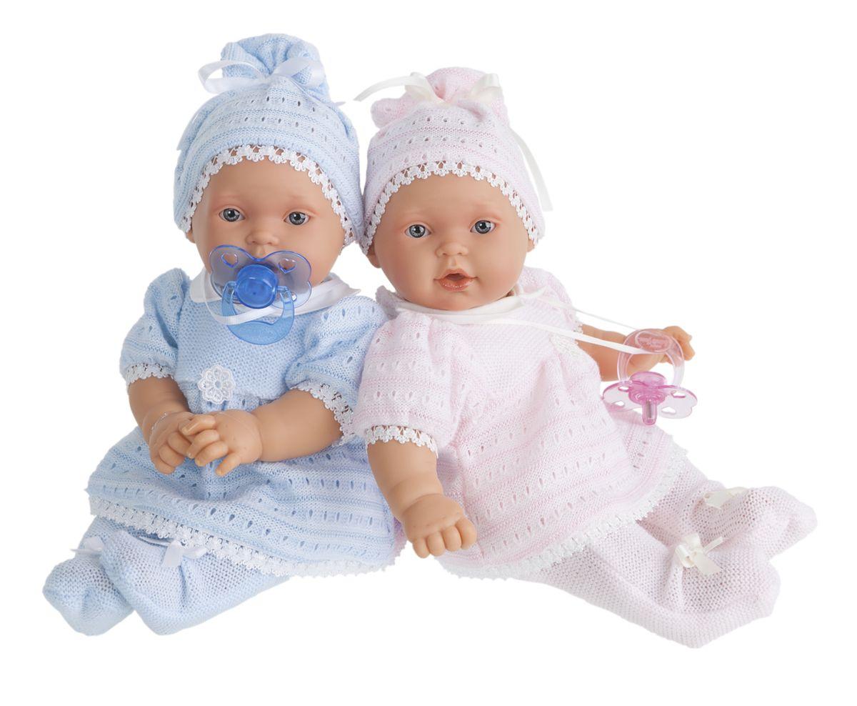 Juan Antonio Кукла-младенец Лана в розовом1109PКукла-младенец выглядит совсем как ребенок. Личико сделано с детальными прорисовками. Малыш умеет плакать, вставьте соску в ротик куклы и она сразу успокоится. Кукла с виниловыми подвижными ручками, ножками и головой, и мягконабивным туловищем. Кукла упакована в красивую подарочную коробку.