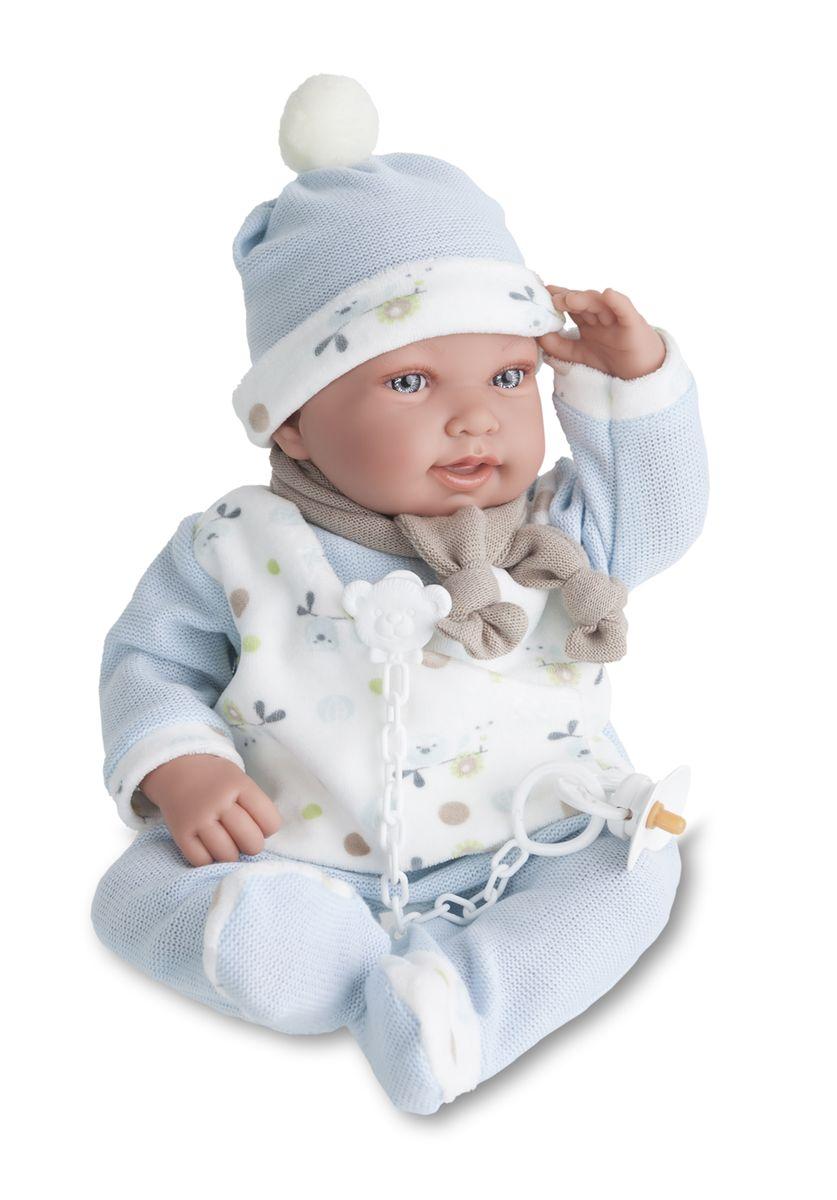 Munecas Antonio Juan Пупс Камилло в голубом костюме3357BИНТЕРАКТИВНЫЕ ФУНКЦИИ КУКЛЫ: нажмите на животик: - 1 раз - кукла засмеется, 2ой раз - кукла скажет мама, 3ий раз - скажет папа. Образы малышей Мунекас разработаны известными европейскими дизайнерами. Кукла с виниловыми подвижными ручками, ножками и головой, и мягконабивным туловищем. Кукла упакована в красивую подарочную коробку.