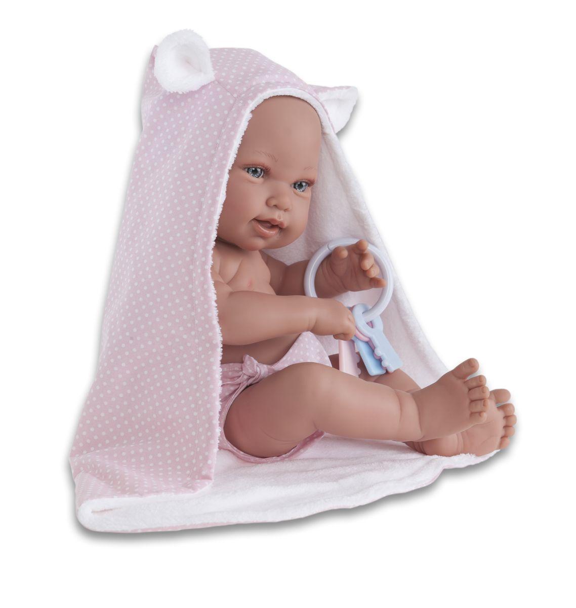 Juan Antonio Кукла-младенец Ирена5094PОбразы малышей разработаны известными европейскими дизайнерами. Куклы натуралистичны, анатомически точны, с подвижными ручками и ножками, копируют настоящих младенцев. Полностью изготовлены из высококачественного винила с покрытием софт тач, мягкого и приятного на ощупь. Производятся в Испании. Для детей от 3-х лет.