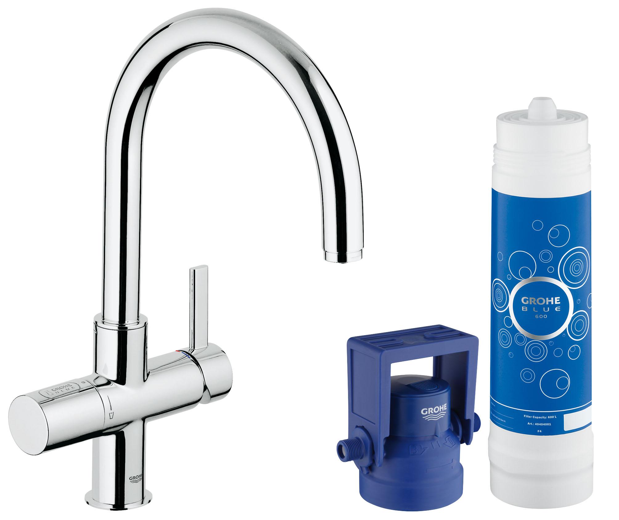 Встраиваемый фильтр Grohe Blue (33249001)33249001GROHE Blue Pure: система фильтрации воды, подающая свежую питьевую воду из-под крана Этот кухонный смеситель из серии GROHE Blue Pure превращает обычную водопроводную воду в чистую, свежую и пригодную для питья. Система фильтрации GROHE Blue Pure, которая активируется отдельным рычагом для подачи воды, очищает воду от нежелательных примесей, ухудшающих ее вкус и запах, включая хлор. Высокий излив, вращающийся в радиусе 180°, придает смесителю элегантный вид и позволяет с легкостью наполнять высокие графины очищенной питьевой водой прямо из-под крана. Технология GROHE SilkMove обеспечивает плавность регулировки напора воды при минимуме усилий. Разумеется, данный смеситель GROHE Pure Duo также выполняет все функции обычного кухонного смесителя. Благодаря хромированному покрытию GROHE StarLight, которое придает ему долговечность и износостойкость, этот сияющий смеситель всегда будет центром внимания в интерьере Вашей кухни. Особенности: Включает в себя: GROHE Blue Смеситель...