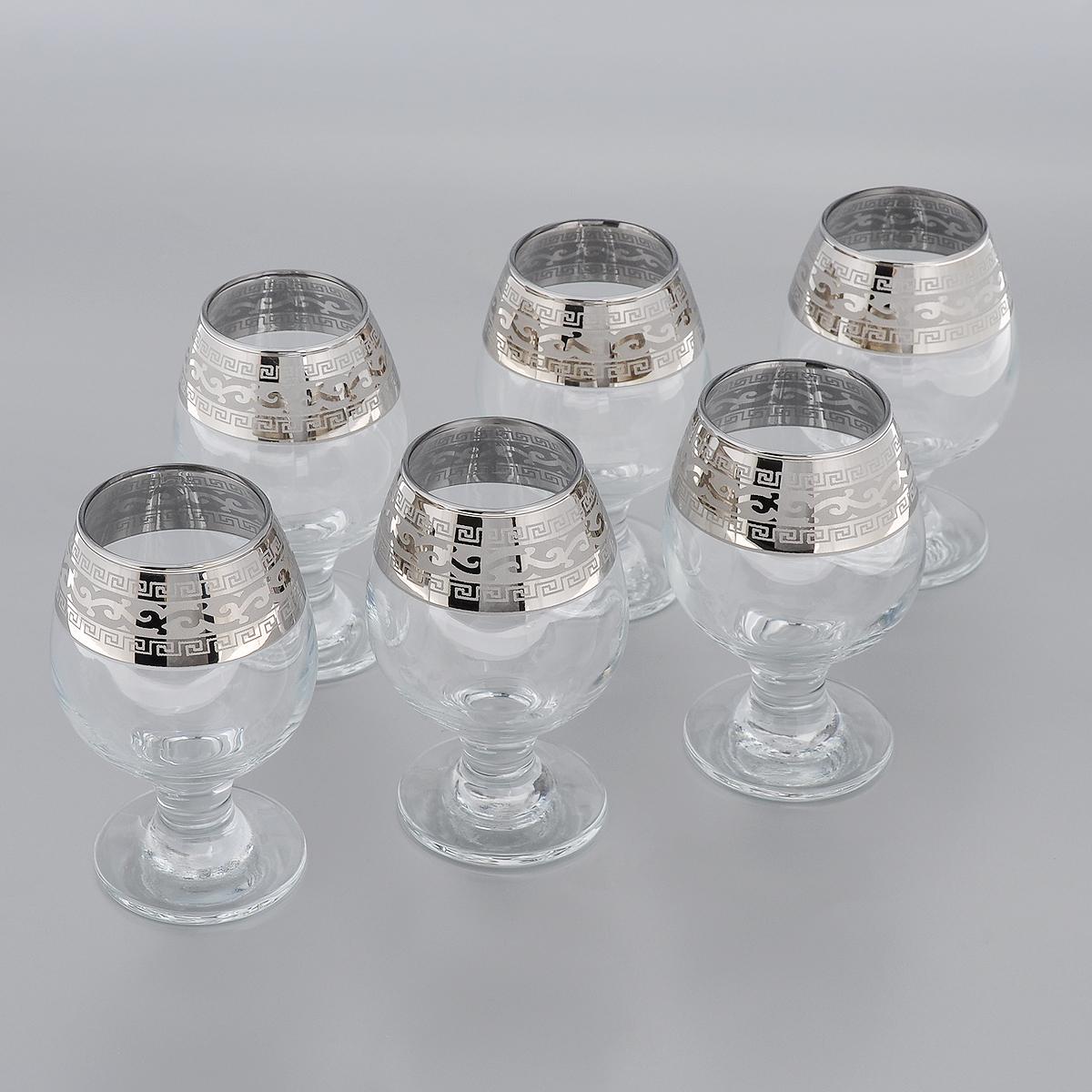 Набор фужеров для бренди Гусь-Хрустальный Версаче, 250 мл, 6 штGE08-483Набор Гусь-Хрустальный Версаче состоит из 6 фужеров для бренди на тонких коротких ножках, изготовленных из высококачественного натрий-кальций-силикатного стекла. Изделия оформлены красивым зеркальным покрытием и белым матовым орнаментом. Такой набор прекрасно дополнит праздничный стол и станет желанным подарком в любом доме. Разрешается мыть в посудомоечной машине. Диаметр фужера (по верхнему краю): 5 см. Высота фужера: 11,5 см.