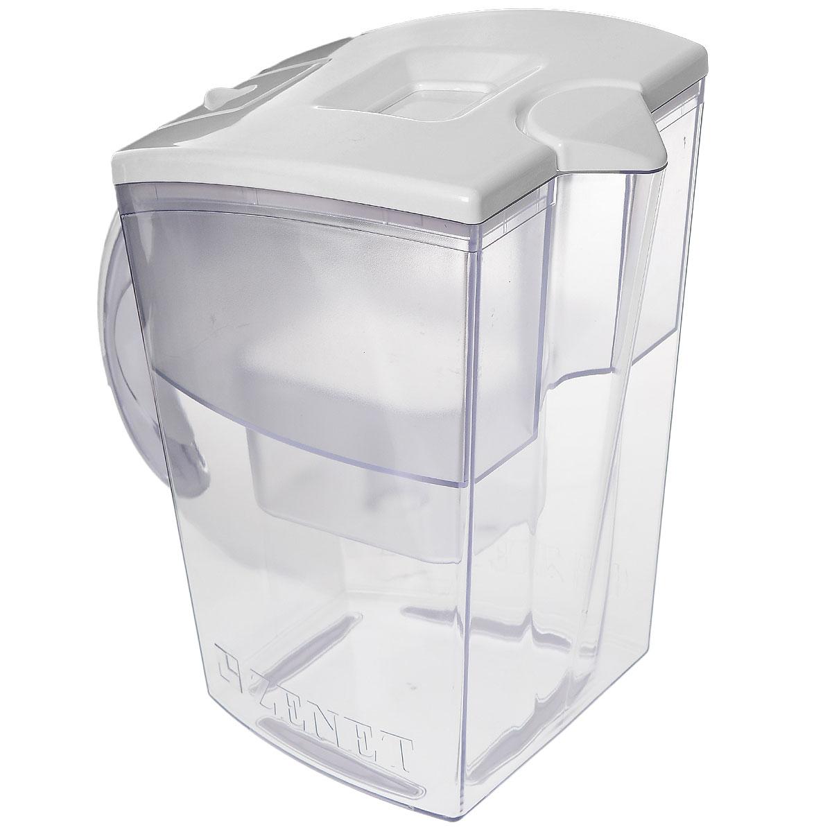 Фильтр-кувшин Zenet, цвет: белый, 4 л00000336Фильтр-кувшин Zenet предназначен для доочистки водопроводной воды. Имеет элегантный дизайн и максимальное удобство в использовании. Обладает вместительной емкостью для воды 4 литра, которая позволяет очищать больше воды за один раз. Изготовлен из высококачественного пищевого пластика и оснащен удобной ручкой. Основание фильтр-кувшина имеет резиновые ножки, предотвращающие скольжение по столу. Изделие будет полезно в квартирах или загородных домах, где не установлен стационарный фильтр для воды.