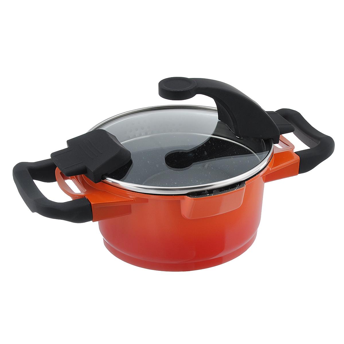 Кастрюля BergHOFF Virgo Orange с крышкой, с антипригарным покрытием, цвет: оранжево-красный, 1,5 л2304900Кастрюля BergHOFF Virgo Orange изготовлена из литого алюминия, который имеет эффект чугунной посуды. В отличие от чугуна, посуда из алюминия легче по весу и быстро нагревается, что гарантирует сбережение энергии. Внутреннее покрытие - экологически безопасное антипригарное покрытие Ferno Green, которое не содержит ни свинца, ни кадмия. Антипригарные свойства посуды позволяют готовить без жира и подсолнечного масла или с его малым количеством. Ручки выполнены из бакелита с покрытием Soft-touch, они имеют комфортную эргономичную форму и не нагреваются в процессе эксплуатации. Крышка изготовлена из термостойкого стекла, благодаря чему можно наблюдать за ингредиентами в процессе приготовления. Широкий металлический обод со специальными отверстиями разного диаметра позволяет выливать жидкость, не снимая крышку. Подходит для всех типов плит, включая индукционные. Рекомендуется мыть вручную. Диаметр кастрюли (по верхнему краю): 16 см. Ширина...