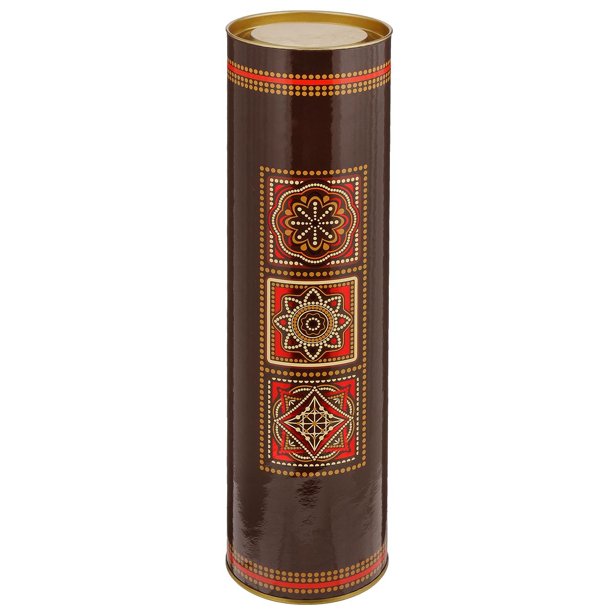 Туба подарочная Арабеска, 9 х 9 х 35 см4610009210971Подарочная туба Арабеска изготовлена из металла и плотного картона, покрытого безопасным защитным УФ лаком. Изделие оформлено красивым орнаментом в восточном стиле. Прекрасно подходит в качестве подарочной упаковки для алкоголя. Красивый дизайн привлекает внимание, кроме того, он универсальный, поэтому туба подойдет в качестве подарочной упаковки как для женщин, так и для мужчин. Подарок, преподнесенный в оригинальной упаковке, всегда будет самым эффектным и запоминающимся. Окружите близких людей вниманием и заботой, вручив презент в нарядном, праздничном оформлении.