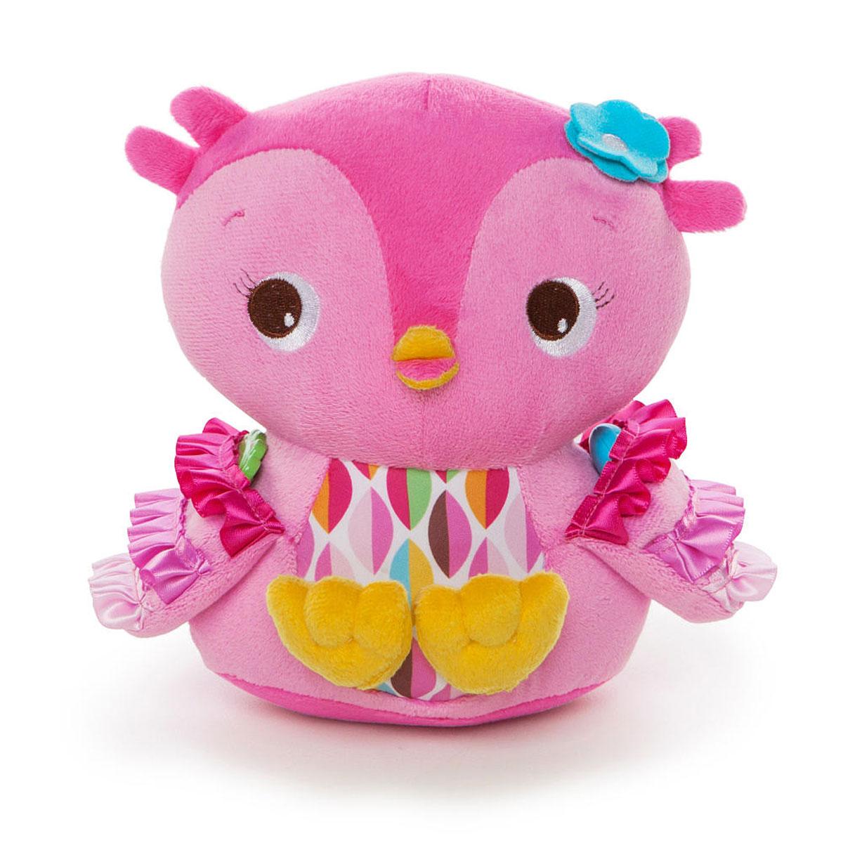 Bright Starts Развивающая игрушка Совушка52032BSРазвивающая игрушка Совушка выглядит невероятно привлекательно для малышей, ведь сшита она из яркой плюшевой ткани, которую так приятно брать в руки. Животик у игрушечной птички шелестит, если его потрогать. Внутри Совушки спрятаны пластиковые шарики, поэтому игрушку можно использовать и как погремушку, чтобы успокоить ребенка или отвлечь его внимание от шалостей. Забавная птичка очень запаслива, поэтому у нее есть крылья-кармашки, куда можно складывать небольшие предметы из игрушечной коллекции малыша. Игрушка дополнена безопасным зеркалом и цветком-погремушкой. Игрушка развивает цветовое и звуковое восприятие, тактильные ощущения и моторику рук.