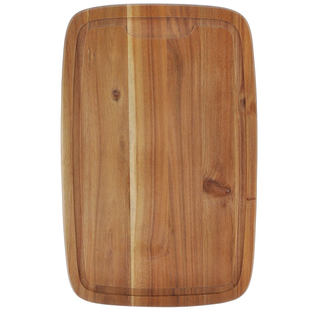 Доска разделочная Kesper, 40 х 26 см2017-1Разделочная доска Kesper изготовлена из высококачественного бамбука, обладающего антибактериальными свойствами. Бамбук - инновационный материал, идеально подходящий для разделочных досок. Доски из бамбука обладают высокой плотностью, а также устойчивы к механическим воздействиям. Наличие канавки по краю изделия поможет предотвратить вытекание сока от продуктов за пределы доски. Функциональные и простые в использовании, разделочные доски Kesper прекрасно впишутся в интерьер любой кухни и прослужат вам долгие годы.