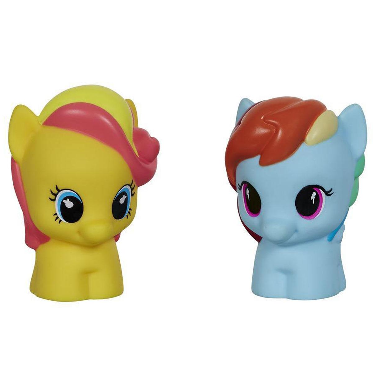 Playskool Набор фигурок My Little Pony: Rainbow Dash & BumblesweetB1910EU4_B2599Набор фигурок Playskool My Little Pony: Rainbow Dash & Bumblesweet станет отличным подарком юным поклонницам мира My Little Pony. Созданные специально для маленьких детских рук, эти очаровательные пони, несомненно, приведут в восторг ребенка. Красочные пони готовы к новым приключениям! В этот набор вошли фигурки пони-пегаса Rainbow Dash и пони Bumblesweet. Совместимо с другими игровыми наборами Playskool из серии My Little Pony.