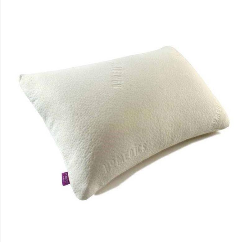 Подушка анатомическая HoMedics, 70 см х 40 смMFHL96638ABFOBПодушка анатомическая HoMedics изготовлена из экологически чистого материала. Благодаря своей эластичности и особой форме, подушка обеспечивает правильное положение шеи и головы, что позволяет минимизировать мышечное напряжение, а также способствует полному расслаблению и отдыху от дневной нагрузки. Как бы вы не сжимали подушку и даже после сна, она всегда возвращает свою форму. Эта уникальная анатомическая подушка с эффектом памяти предлагает все преимущества технологии Memory Foam и ароматерапии для непрерывного и спокойного сна. Подушка временно деформируется и под действием тепла принимает контуры тела, поддерживая голову и шею во время сна в правильном положении. Чехол пропитан ароматом лаванды, который расслабляет и обладает способностью успокаивать. Помогает от стресса и тревоги. Помогает поднять настроение и стимулирует деятельность головного мозга. Помогает улучшить сон и уменьшает беспокойство. Наполнитель подушки:...