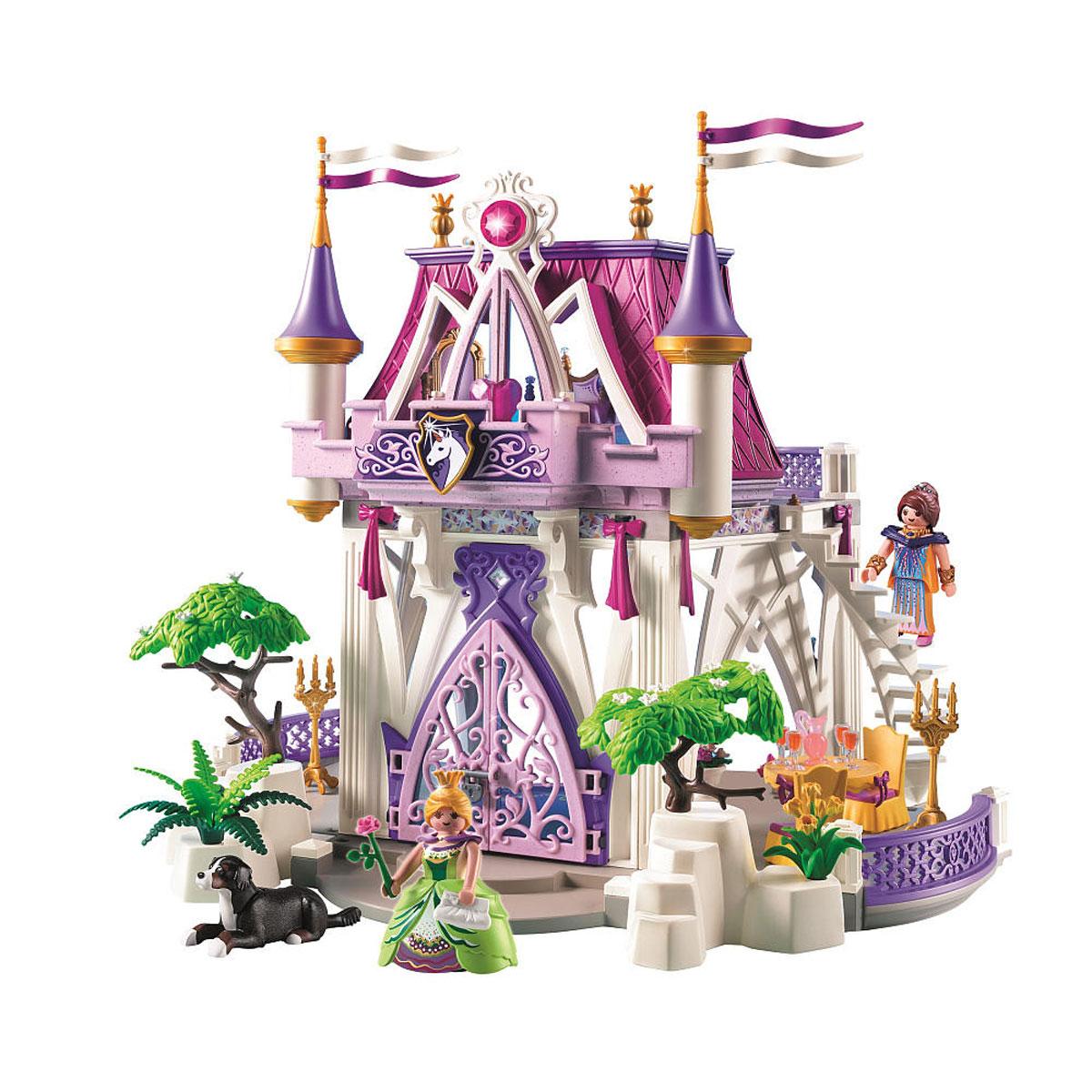Playmobil Игровой набор Замок Единорога5474pmИгровой набор Playmobil Замок Единорога понравится вашей дочурке и позволит ей окунуться в сказочный мир волшебства. В комплект входят: 2 фигурки человечков, фигурка собаки, дворец, сменные наряды для фигурок, а также множество разнообразных аксессуаров и элементов декора, которые сделают игру еще интереснее. Элементы набора выполнены из прочного пластика ярких цветов. Руки и головы фигурок подвижны, а благодаря специальной форме ручек, они могут держать различные небольшие предметы, входящие в набор. Сказочный уголок с двумя комнатами и террасами. Стены замка украшают драгоценности, цветы и необычные узоры. Двери в замке можно открывать. Красивая лестница на второй этаж открывает вид на спальню с королевской кроватью, зеркалом и двумя золотыми подсвечниками. В Замке живут королева и принцесса, а также их верный пес. Принцесса обожает любоваться видом, открывающимся со своей чудесной башенки, гуляет с верным другом в сопровождении райских птах. Игры с...