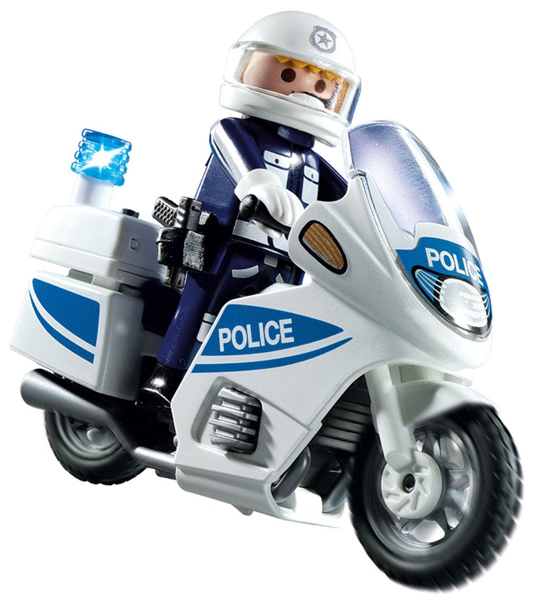 Playmobil Игровой набор Полицейский мотоцикл5185pmИгровой набор Playmobil Полицейский мотоцикл позволит малышу почувствовать себя настоящим борцом с преступностью. В комплект входят: фигурка полицейского, мотоцикл, а также дополнительные аксессуары. Элементы набора выполнены из прочного пластика ярких цветов и легко соединяются между собой. Руки и голова фигурки подвижны, а благодаря специальной форме ручек, она может держать различные небольшие предметы, входящие в набор. Модель мотоцикла оснащена ветровым стеклом, удобным рулевым управлением, мигающим фонариком и вращающимися колесами. Игры с таким набором позволят ребенку весело провести время. А процесс сборки игрушки поможет малышу развить мелкую моторику пальчиков, внимательность и усидчивость. Порадуйте своего малыша такой чудесной игрушкой! Рекомендуется докупить 1 батарейку напряжением 1,5V типа DC 303 (товар комплектуется демонстрационной).
