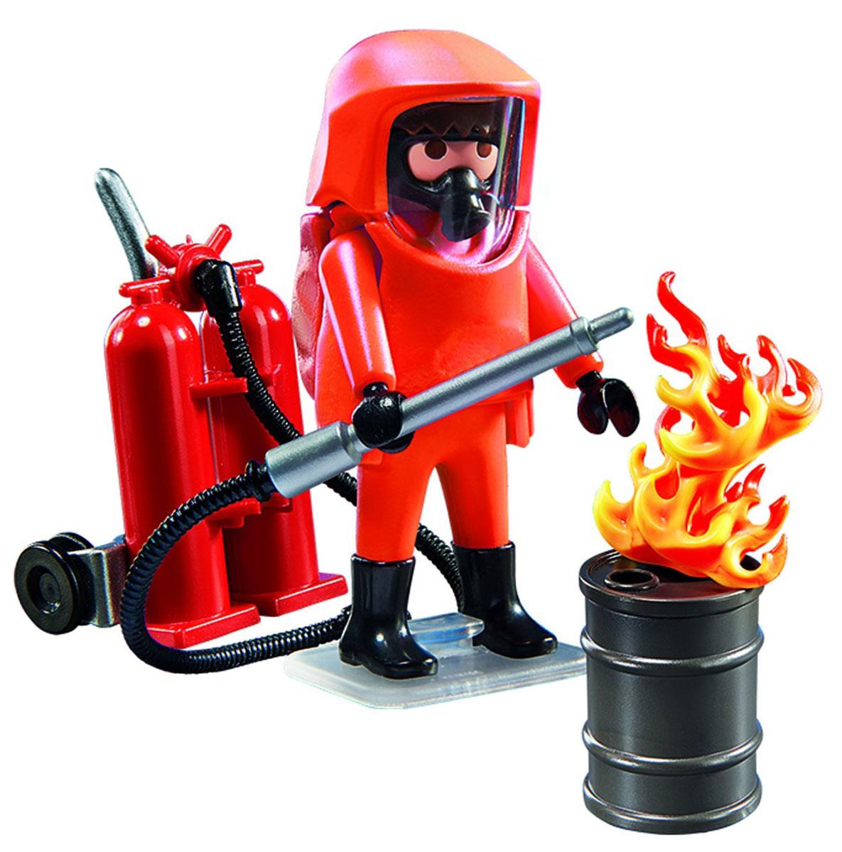 Playmobil Игровой набор Специальные пожарные силы5367pmИгровой набор Playmobil Специальные пожарные силы обязательно понравится вашему ребенку. Он выполнен из безопасного пластика и включает фигурки в виде пожарного в огнезащитном костюме, бочку, три элемента в виде пламени и другие аксессуары для игры. У фигурки подвижные части тела; в руках пожарный может удерживать предметы. Ваш ребенок с удовольствием будет играть с набором, придумывая захватывающие истории. Рекомендуемый возраст: от 5 до 10 лет.