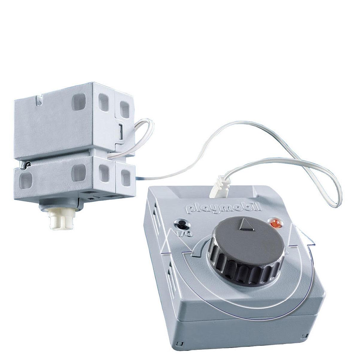Playmobil Электрический мотор для аттракционов5556Электрический мотор оживит аттракционы в Парке Развлечений. Совместим с Каруселью (5548), Колесом обозрения (5552) и аттракционом Звездолет (5554). Рекомендуемый возраст: от 4 до 10 лет. Для работы мотора необходимо докупить 4 батарейки напряжением 1,5V типа ААА (не входят в комплект).