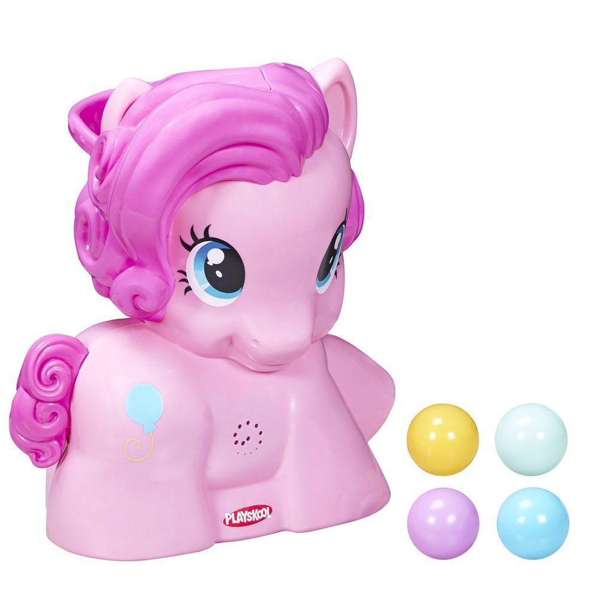 Playskool Музыкальная игрушка My Little Pony: Пинки Пай, с шарамиB1647EU4Музыкальная игрушка My Little Pony: Пинки Пай с мячиками обеспечит увлекательное и развивающее времяпровождение для самых маленьких. Она создана из пластика высочайшего качества и не имеет острых углов, так что совершенно безопасна. Игрушка выполнена в виде большой фигурки лошадки Пинки Пай - героини популярного детского мультфильма Дружба - это чудо!. Помимо пони в комплект входят 4 небольших разноцветных шарика. Цель ребенка: в небольшой лоток на голове лошадки нужно положить шарики и нажать на хвостик, который является своеобразным рычажком. Под звуки музыкального сопровождения (всего 6 разных веселых мелодий) шарики один за другим будут выскакивать из головы или же скатываться из копытца пони. Откуда именно появится очередной шарик - загадка... Все они вылетают случайным образом. Поэтому надо вовремя успеть среагировать и поймать заветный шарик. С такой игрушкой ваш ребенок будет развивать свое внимание, координацию и логическое мышление. Порадуйте свою...