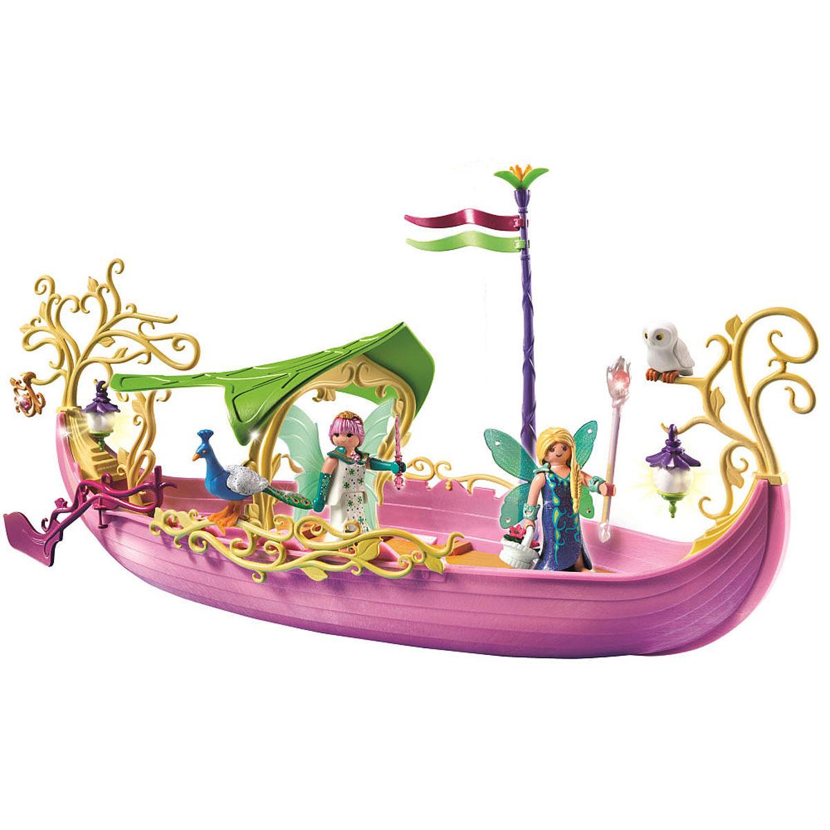 Playmobil Игровой набор Корабль королевы Фей5445pmИгровой набор Playmobil Корабль королевы Фей позволит вашей дочурке погрузиться в сказочный мир волшебства. В комплект входят: фигурки фей, лодка, подвеска, а также дополнительные аксессуары и элементы декора. Элементы набора выполнены из прочного пластика ярких цветов и легко соединяются между собой. Руки и головы фигурок подвижны, а благодаря специальной форме ручек, они могут держать различные небольшие предметы, входящие в набор. Прекрасная лодка-гондола перенесет игроков и их героев в сказочный мир фей, а от жары спасет большой навес, которым оснащена лодка. Фигурки фей могут воспользоваться кристальным посохом или волшебной палочкой, чтобы немного поколдовать. Кустарник, цветы, камни, фигурки павлина и филина помогут создать сказочный остров - мир магии. А вдруг по дороге встретятся и крылатые питомцы фей - единороги? Ветви деревьев можно украсить декоративными фонариками, чтобы осветить островок в темное время суток. Фигурки фей одеты в длинные платья,...