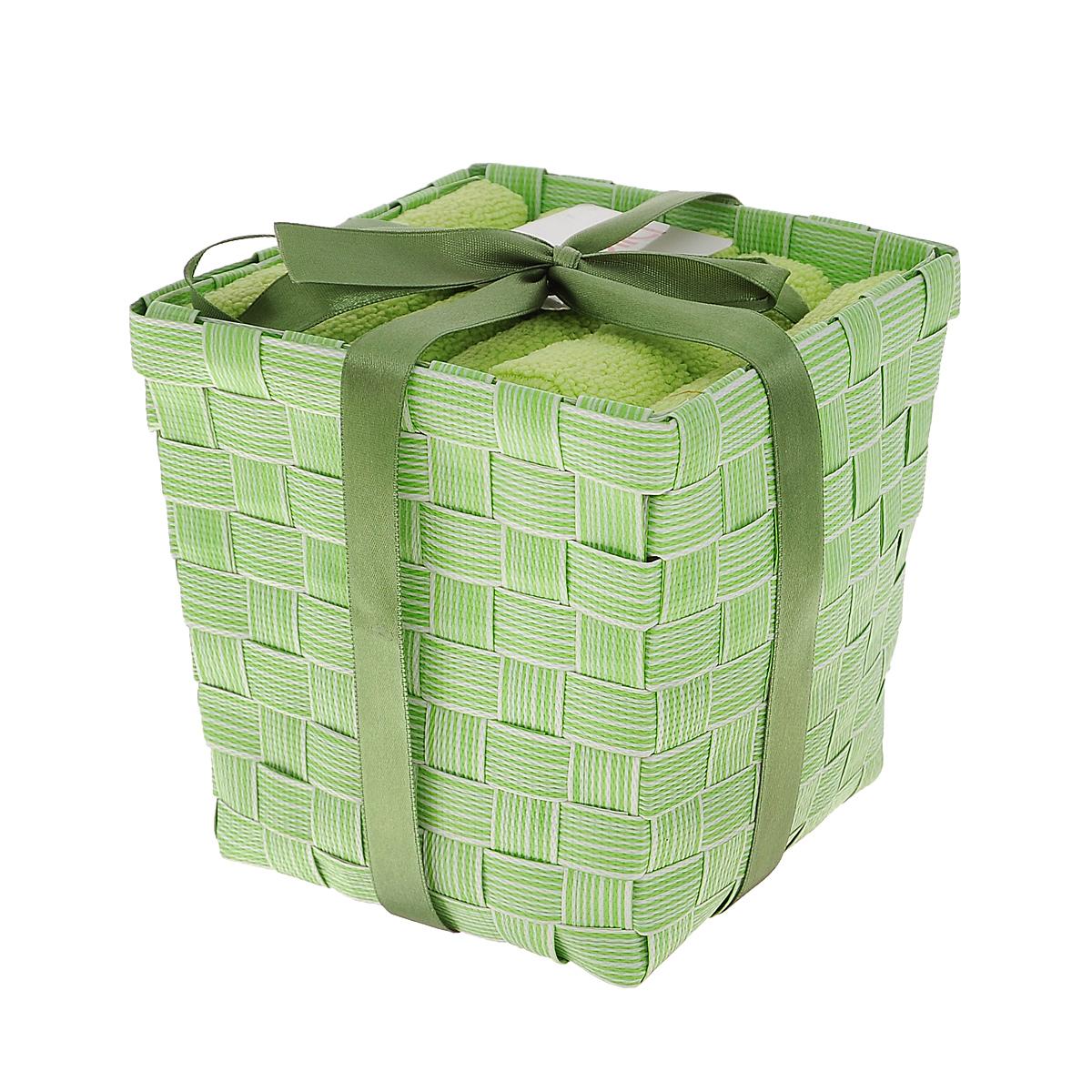 Набор полотенец Miolla, в корзине, цвет: зеленый, 30 см х 50 см, 3 штBTS1032MНабор Miolla состоит из трех прямоугольных полотенец, выполненных из микрофибры. Полотенца мягкие, приятные на ощупь, хорошо впитывают влагу. Для хранения полотенец предусмотрена специальная плетеная корзинка, перевязанная атласной ленточкой. Такой набор станет хорошим подарком для хозяйки и пригодится в быту.