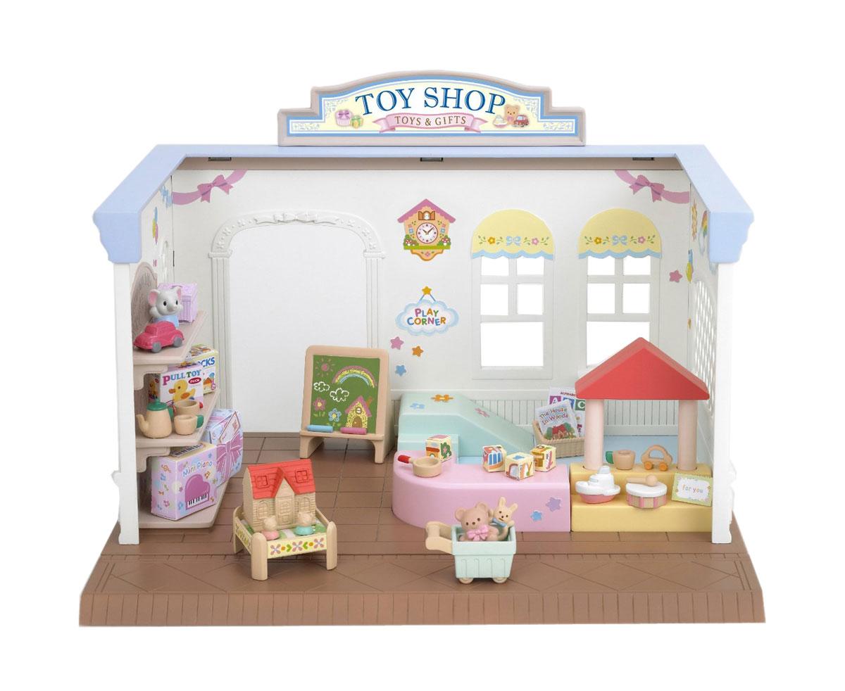 Sylvanian Families Игровой набор Магазин игрушек2888Игровой набор Магазин игрушек привлечет внимание вашего ребенка и станет отличным подарком для поклонников жителей чудесной страны Sylvanian Families. С помощью элементов набора ваш ребенок сможет создать для своих любимых героев Sylvanian Families настоящий обустроенный яркий магазин игрушек, где малыши могут гулять, играть, покупать игрушки. Набор включает в себя магазин с полками и товаром, детский уголок с игрушками, тележку. Sylvanian Families - это целый мир маленьких жителей, объединенных общей легендой. Жители страны Sylvanian Families - это кролики, белки, медведи, лисы и многие другие. У каждого из них есть дом, в котором есть все необходимое для счастливой жизни. В городе, где живут герои, есть школа, больница, рынок, пекарня, детский сад и множество других полезных объектов. Жители этой страны живут семьями, в каждой из которой есть дети. В домах Sylvanian Families царит уют и гармония. Домашние животные радуют хозяев. Здесь продумана каждая...