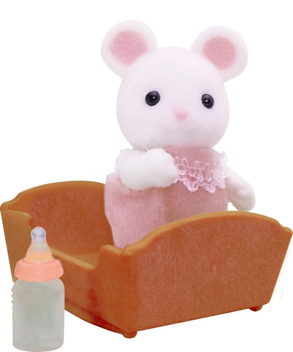 Sylvanian Families Игровой набор Малыш белый Мышонок3420Игровой набор Малыш белый Мышонок привлечет внимание вашего ребенка и станет отличным подарком для поклонников жителей чудесной страны Sylvanian Families. Очаровательный мышонок еще совсем маленький, и поэтому лежит в колыбельке и пьет из бутылочки. В комплект входит фигурка мышонка, бутылочка и колыбелька. Компания была основана в 1985 году, в Японии. Sylvanian Families очень популярен в Европе и Азии, и, за долгие годы существования, компания смогла добиться больших успехов. 3 года подряд в Англии бренд Sylvanian Families был признан Игрушкой Года. Сегодня у героев Sylvanian Families есть собственное шоу, полнометражный мультфильм и сеть ресторанов, работающая по всей Японии. Sylvanian Families - это целый мир маленьких жителей, объединенных общей легендой. Жители страны Sylvanian Families - это кролики, белки, медведи, лисы и многие другие. У каждого из них есть дом, в котором есть все необходимое для счастливой жизни. В городе,...