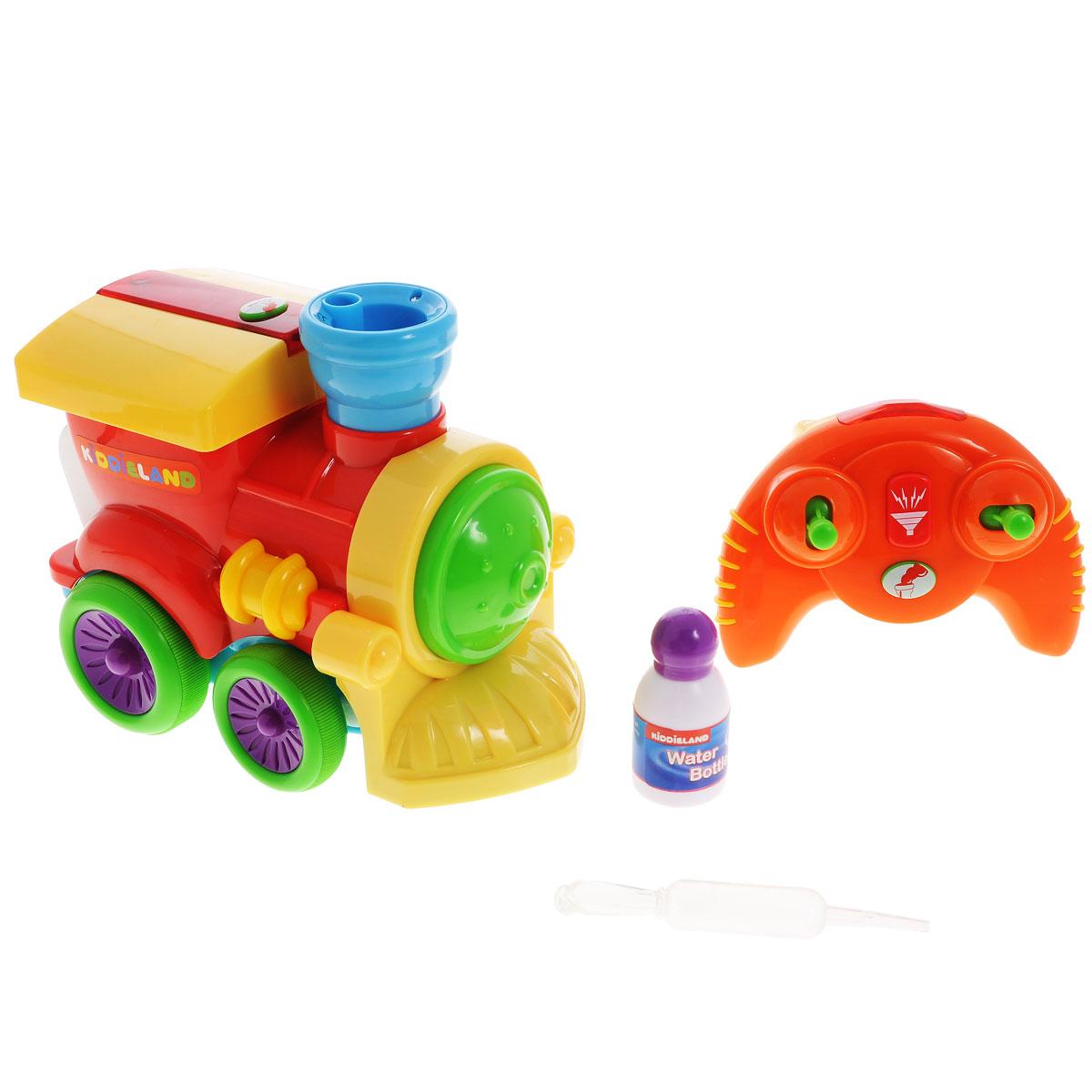 Kiddieland Развивающая игрушка ПаровозикKID 047837Яркая игрушка Kiddieland Развивающая игрушка Паровозик обязательно порадует малыша приятными мелодиями и забавными звуками. Паровозик может ехать вперед, назад, вправо и влево. Кроме того, он выпускает пар: для этого нужно добавить воды в специальную выемку на трубе. Игрушка издает множество забавных звуков. Игрушка на радиоуправлении. Пульт имеет всего два рычага и кнопку, поэтому им легко управлять малышу. Рекомендуемый возраст: от 18 месяцев. Питание: 4 батарейки типа AА, 3 батарейки типа ААА (входят в комплект).