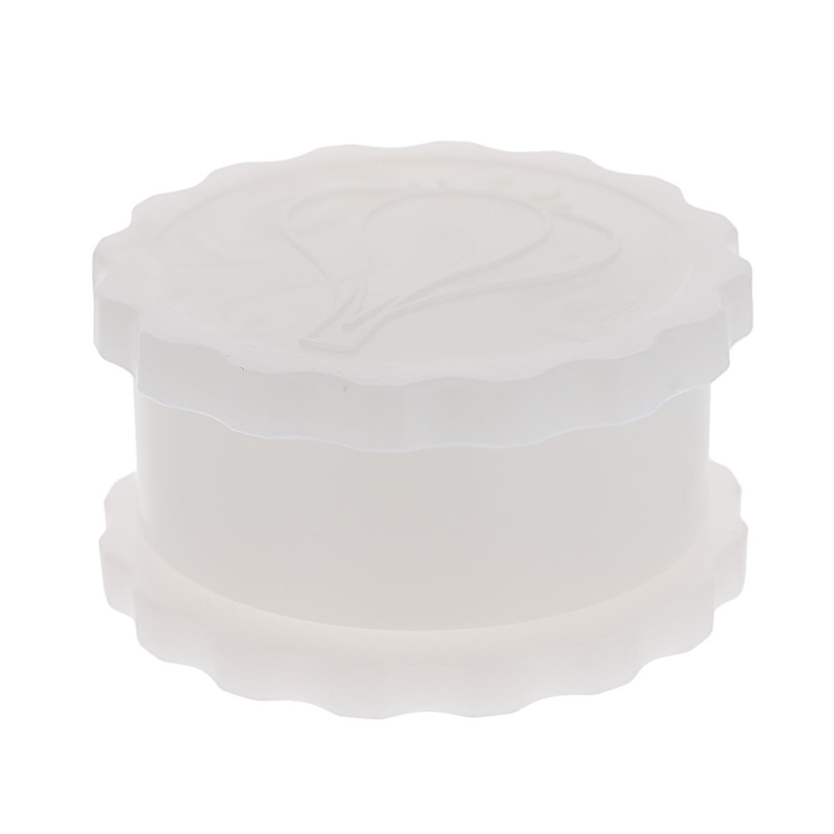 Измельчитель чеснока Альтернатива, цвет: белый, диаметр 8 смМ1693Измельчитель Альтернатива, выполненный из высокопрочного пластика, предназначен для быстрого измельчения зубчиков чеснока. Прибор также можно использовать для отделения головок чеснока от шелухи. Измельчитель очень прост в использовании: положите внутрь чеснок и покрутите крышку, придерживая основание. Прибор быстро и без отходов измельчит чеснок. Пригоден для мытья в посудомоечной машине. Диаметр измельчителя: 8 см. Высота измельчителя: 4,5 см.